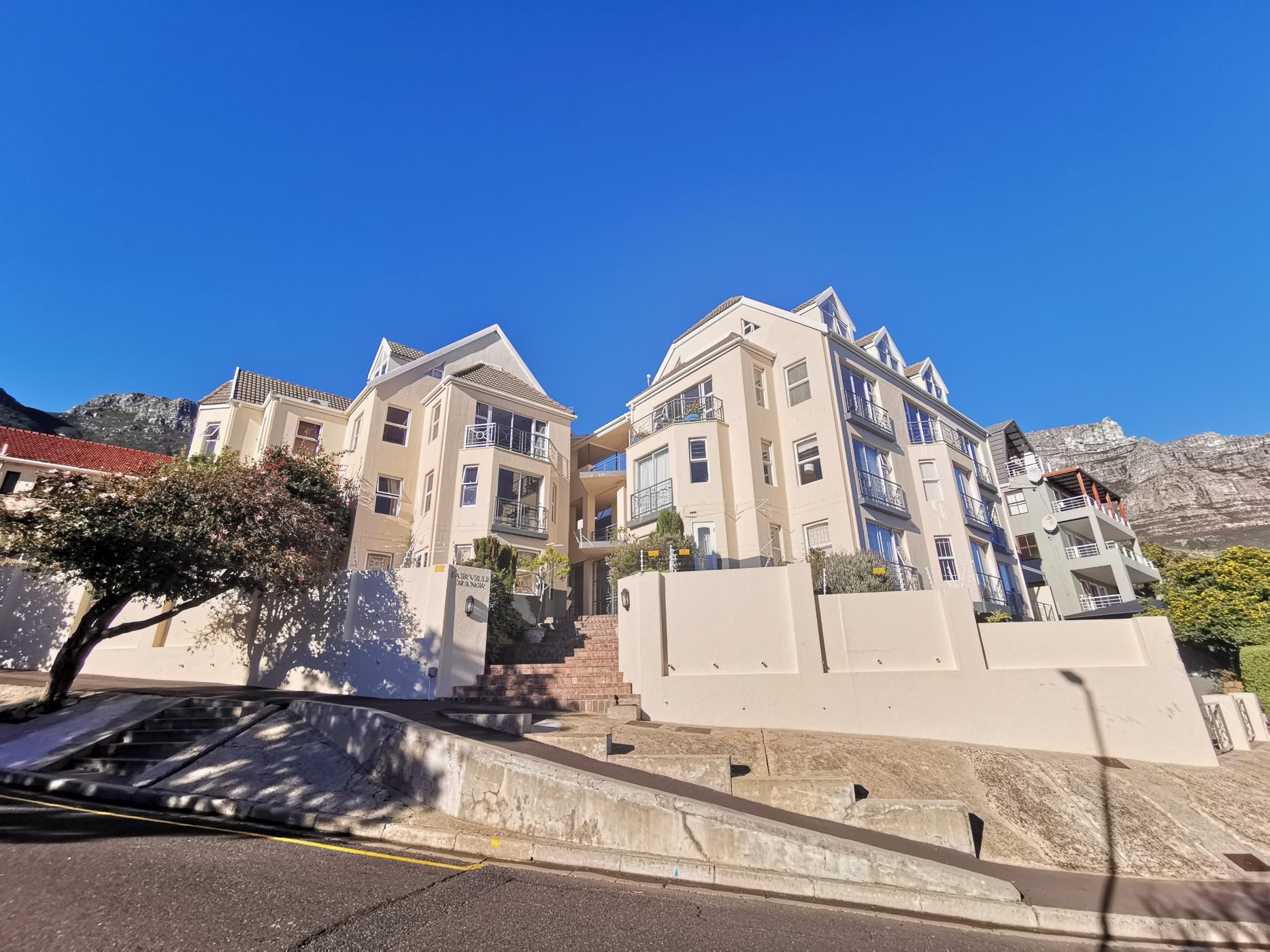 https://listing.pamgolding.co.za/images/properties/201907/1222641/H/1222641_H_29.jpg