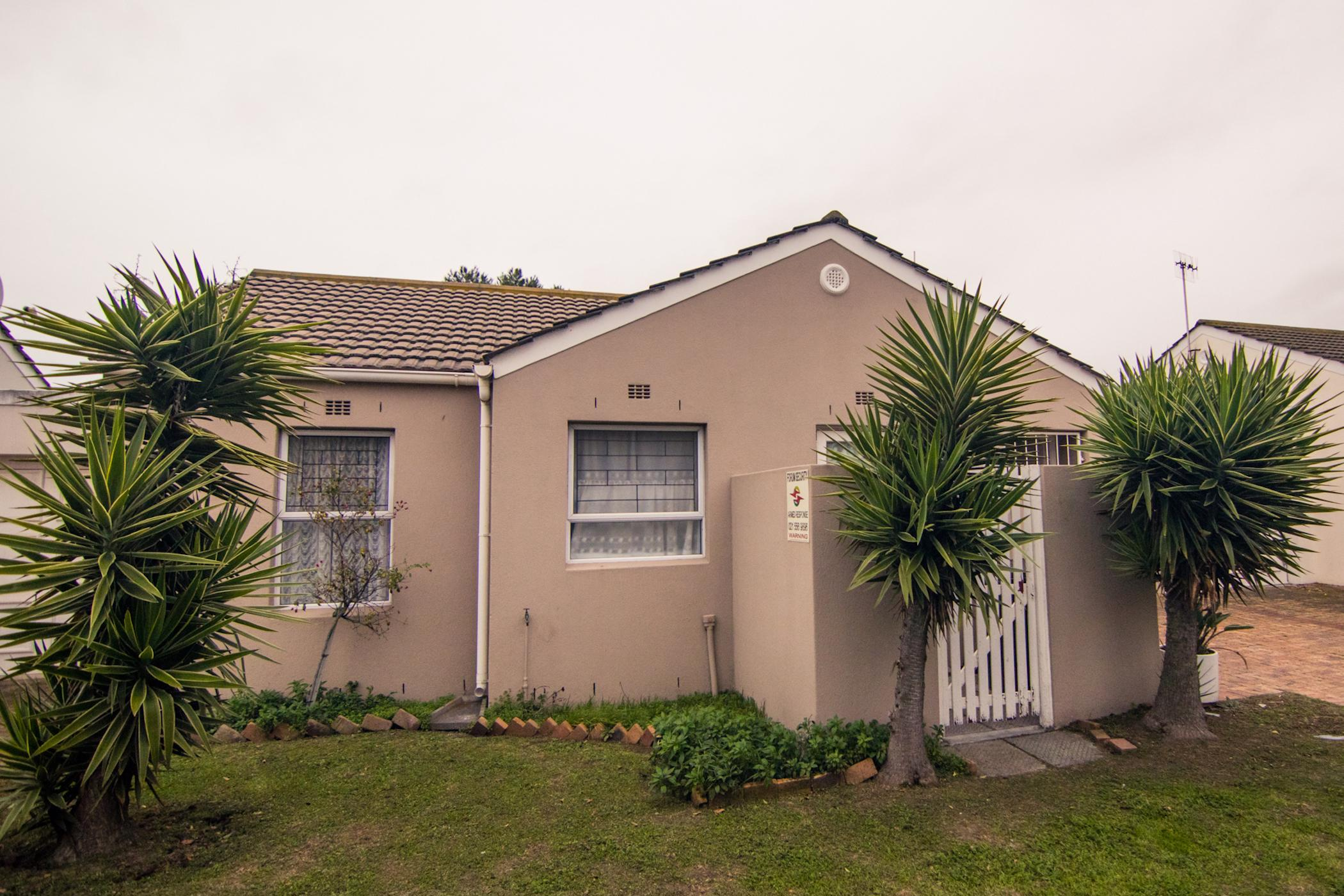 https://listing.pamgolding.co.za/images/properties/201907/1459999/H/1459999_H_1.jpg