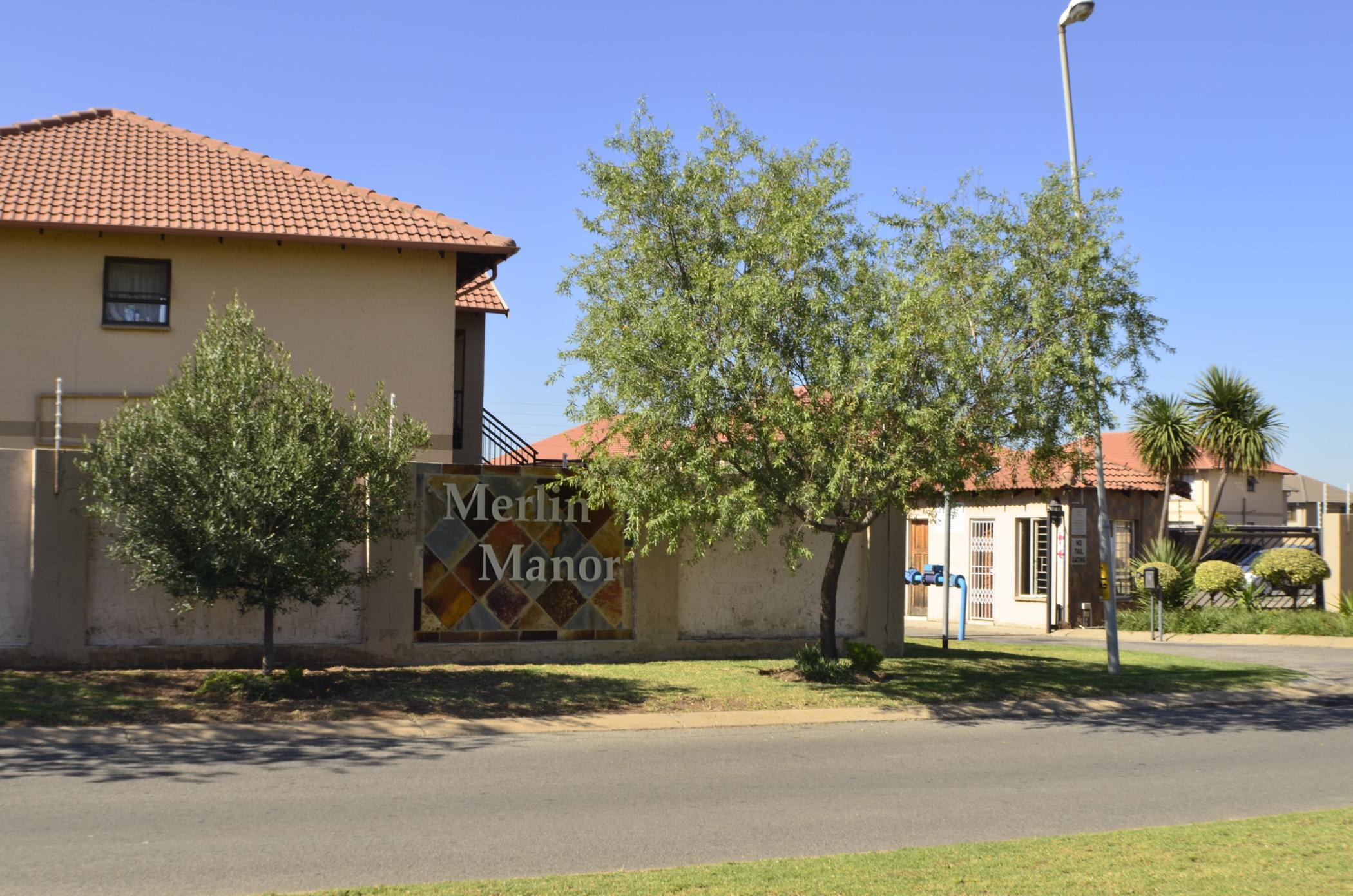 3 bedroom house for sale in parkrand r900,000