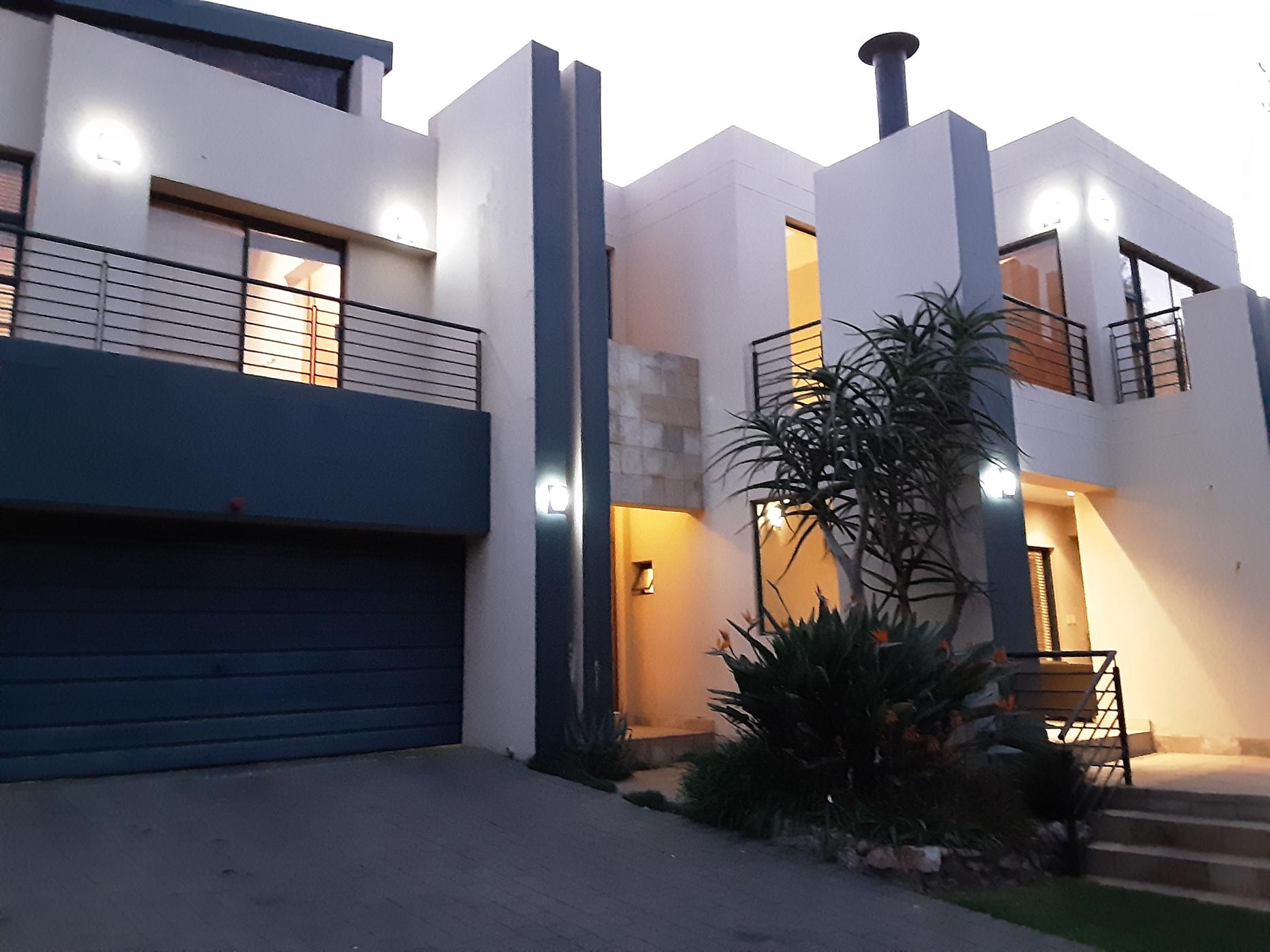 https://listing.pamgolding.co.za/images/properties/201908/1004033/H/1004033_H_29.jpg