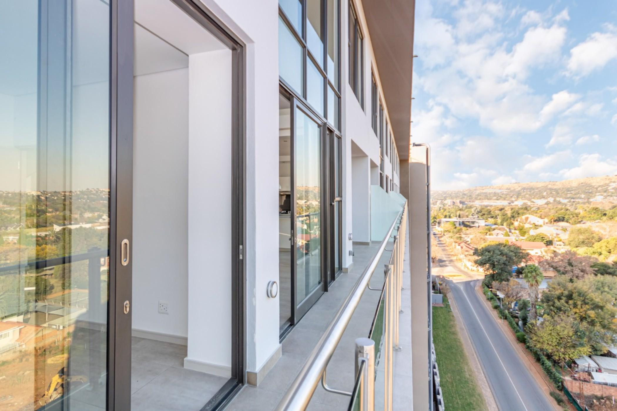 https://listing.pamgolding.co.za/images/properties/201908/1491223/H/1491223_H_2.jpg