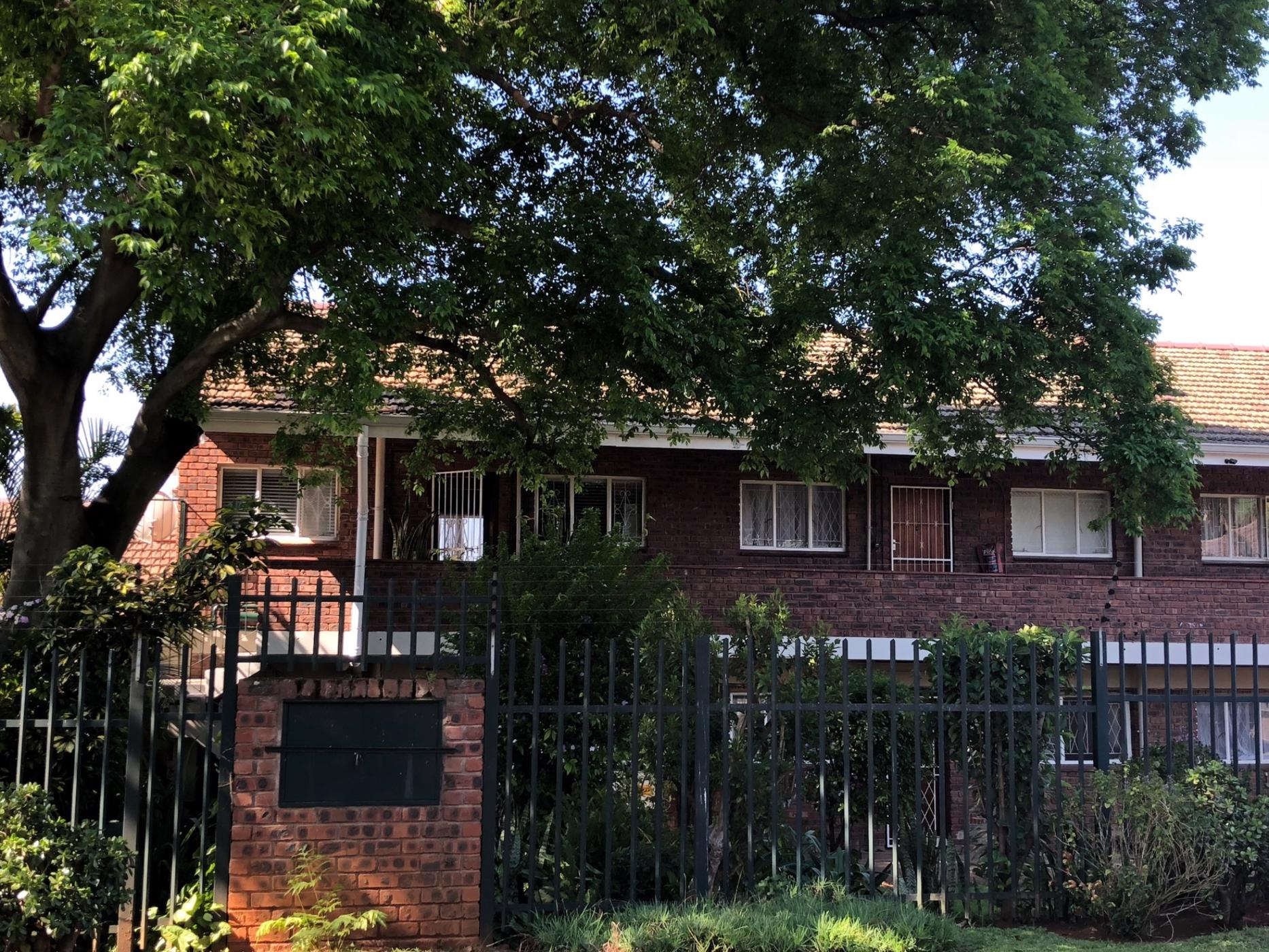 https://listing.pamgolding.co.za/images/properties/201908/298303/H/298303_H_15.jpg