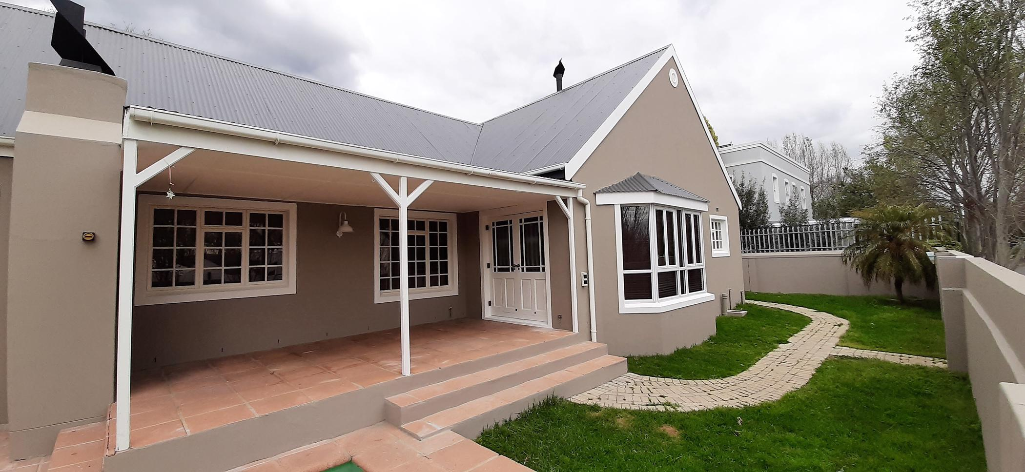 https://listing.pamgolding.co.za/images/properties/201908/488763/H/488763_H_22.jpg