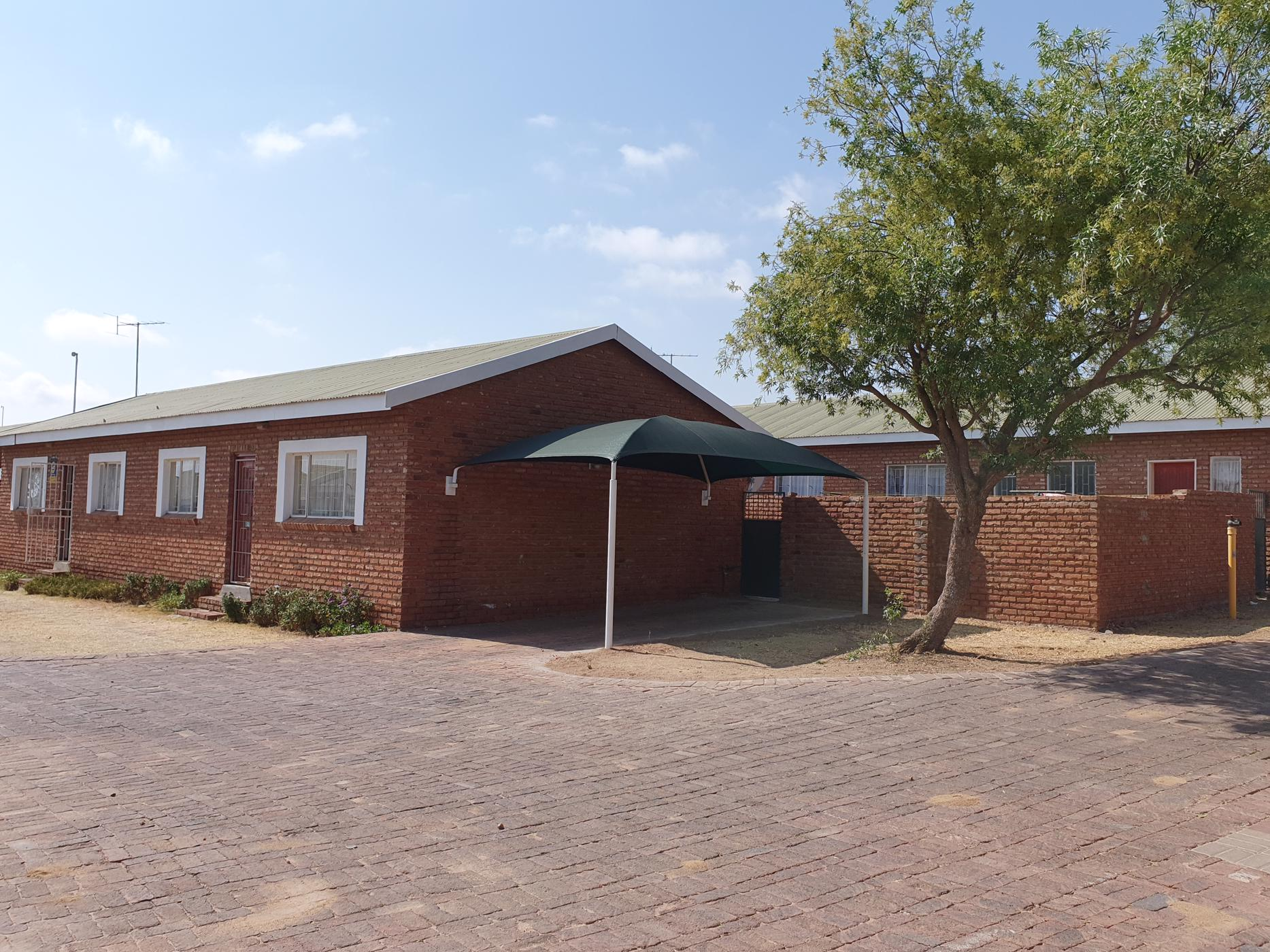 https://listing.pamgolding.co.za/images/properties/201908/570568/H/570568_H_16.jpg