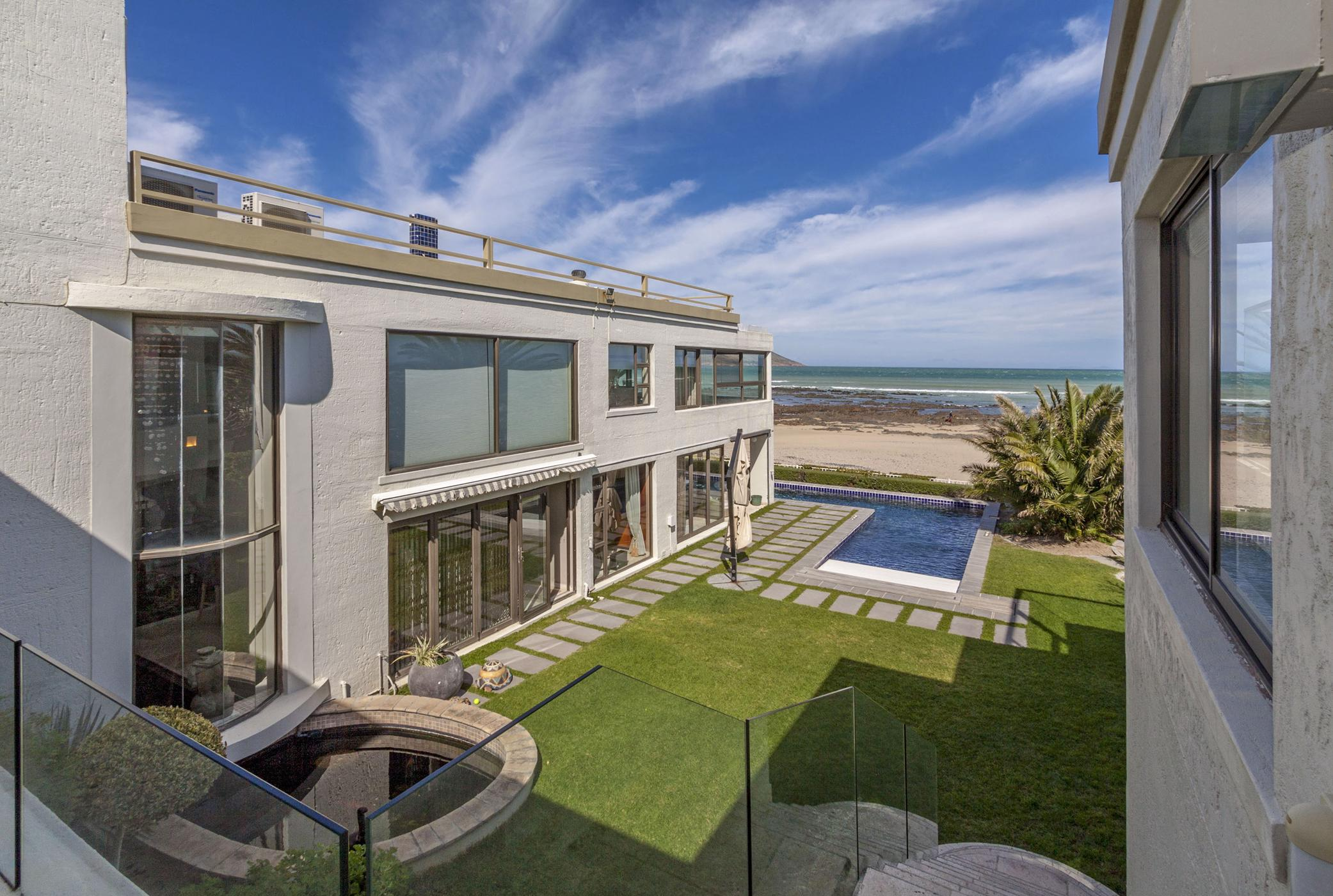 6 bedroom house for sale in Harbour Island