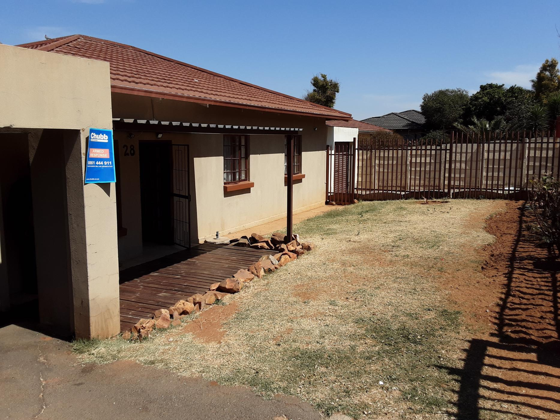 https://listing.pamgolding.co.za/images/properties/201909/1509689/H/1509689_H_1.jpg