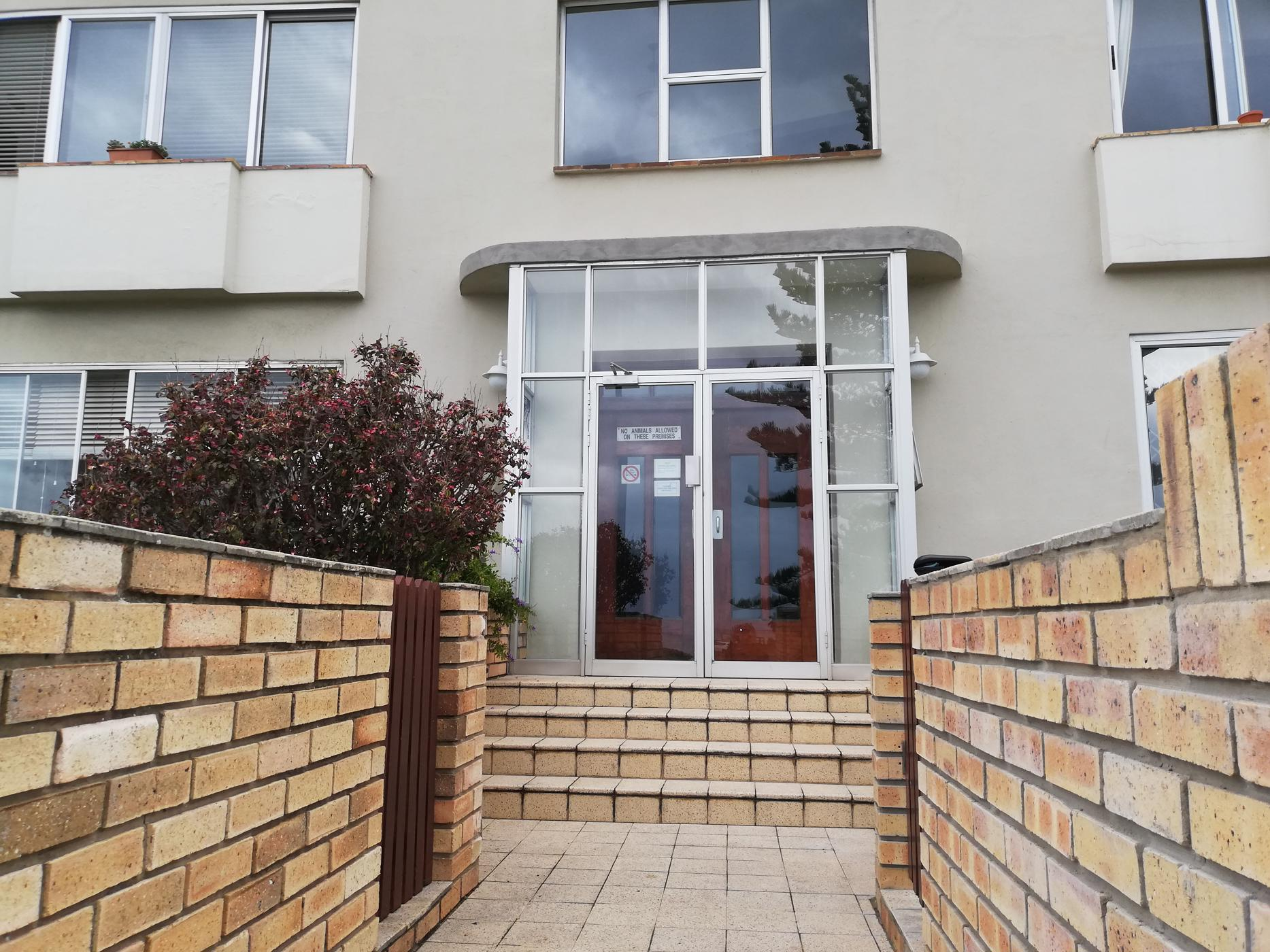 https://listing.pamgolding.co.za/images/properties/201909/1510325/H/1510325_H_41.jpg