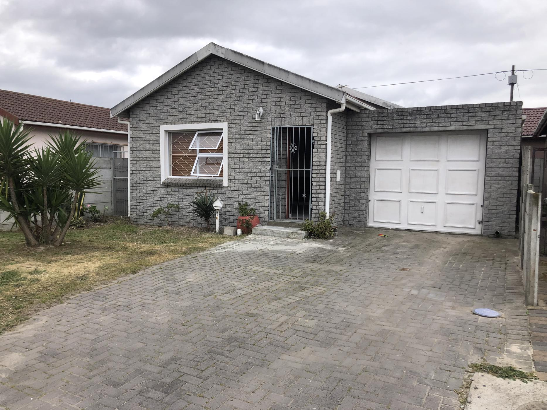 https://listing.pamgolding.co.za/images/properties/201909/534898/H/534898_H_16.jpg