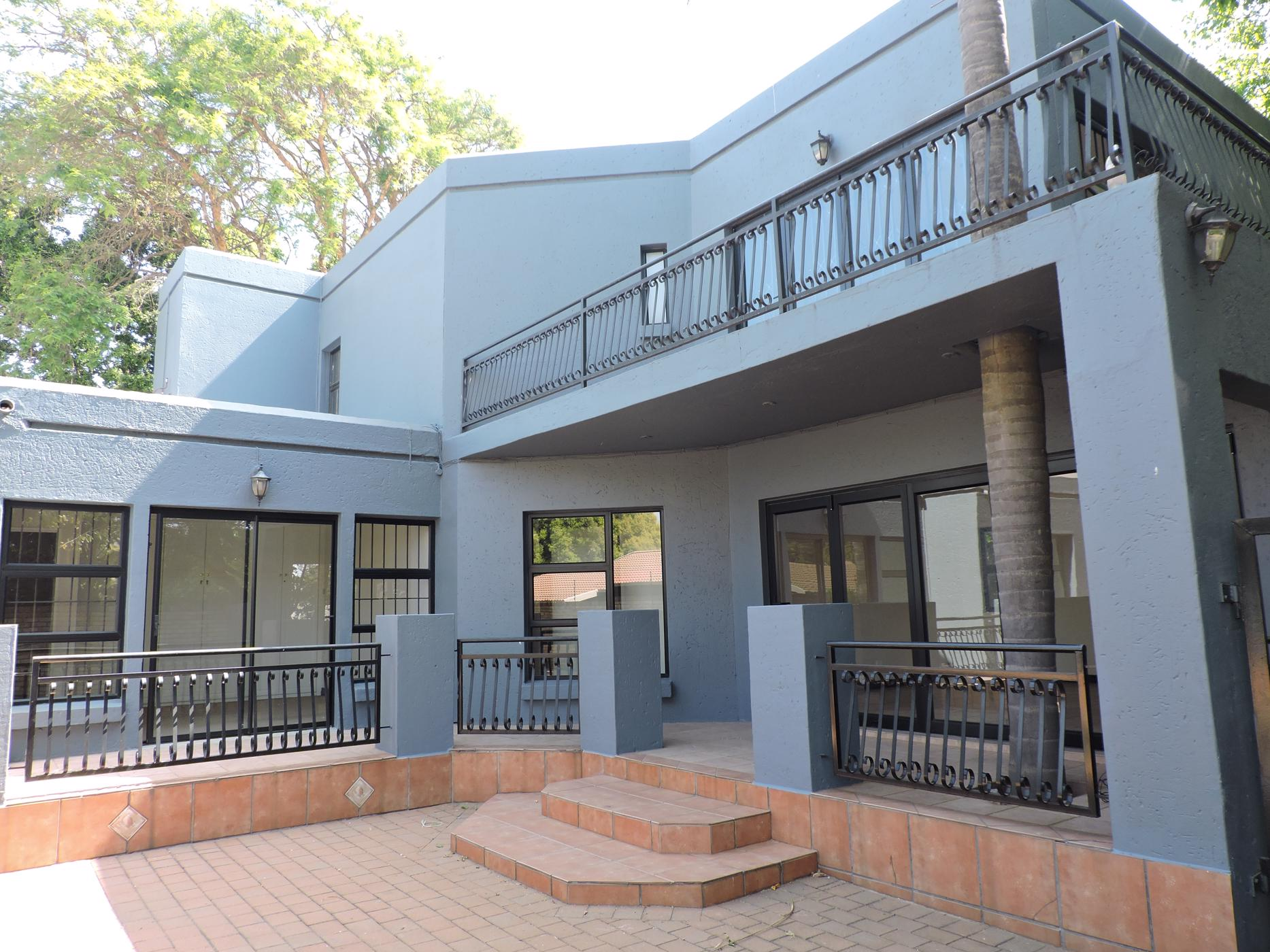 https://listing.pamgolding.co.za/images/properties/201910/1046160/H/1046160_H_45.jpg