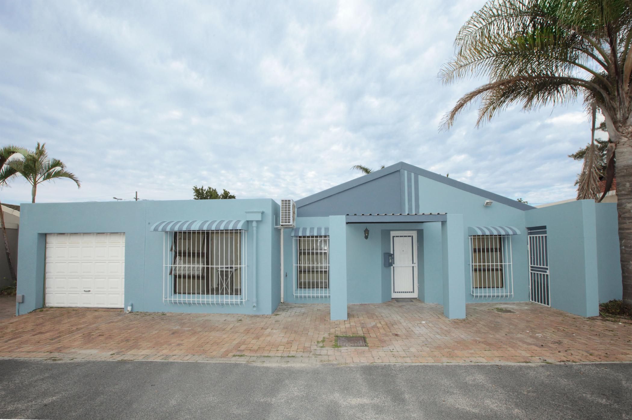 https://listing.pamgolding.co.za/images/properties/201910/1521405/H/1521405_H_1.jpg