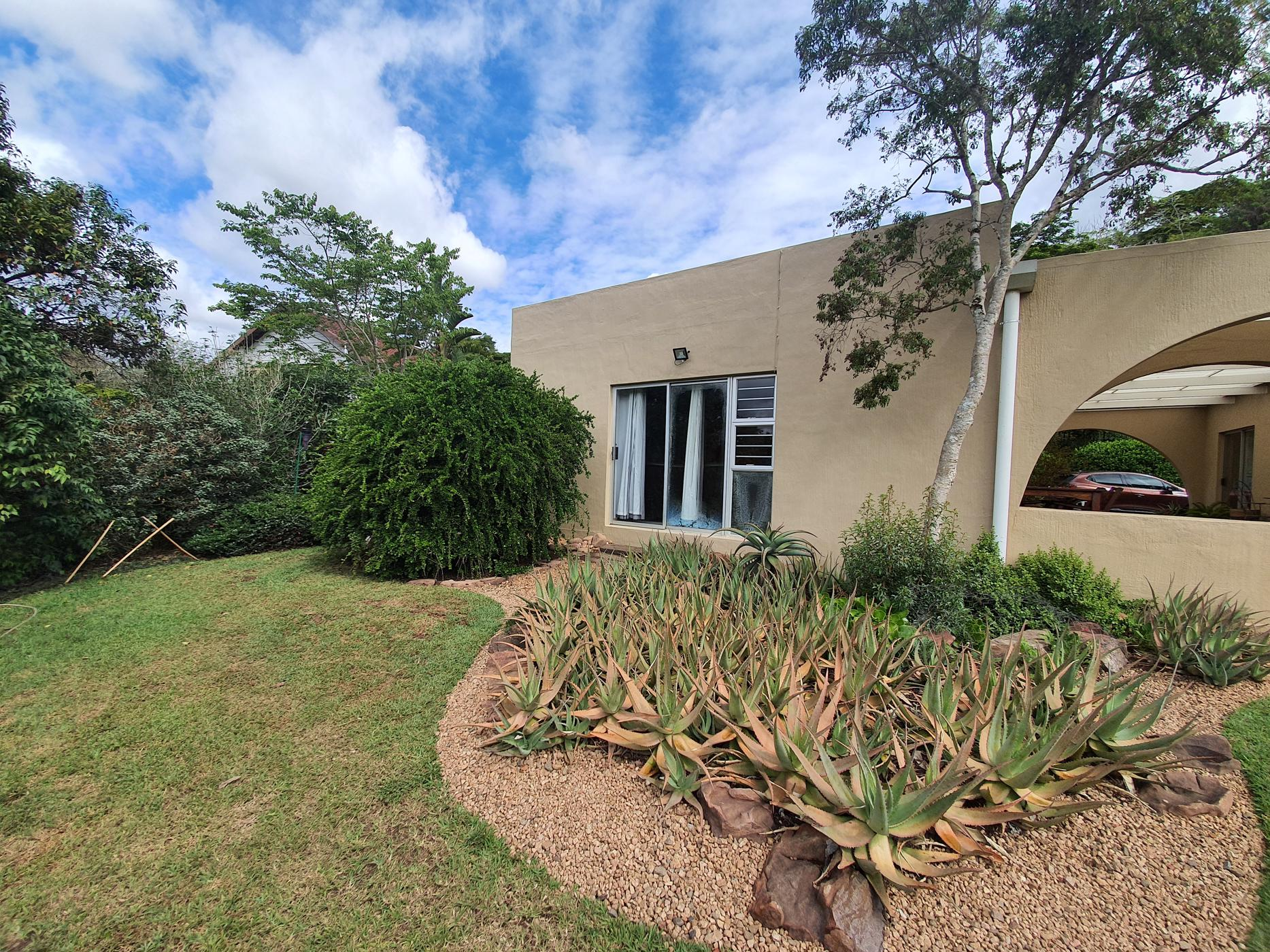 https://listing.pamgolding.co.za/images/properties/201910/1525753/H/1525753_H_20.jpg