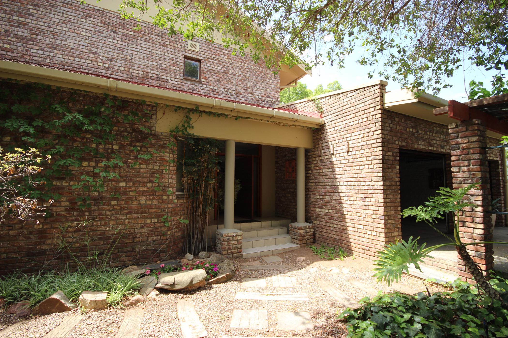 5 bedroom house for sale in West Bank (Oudtshoorn)