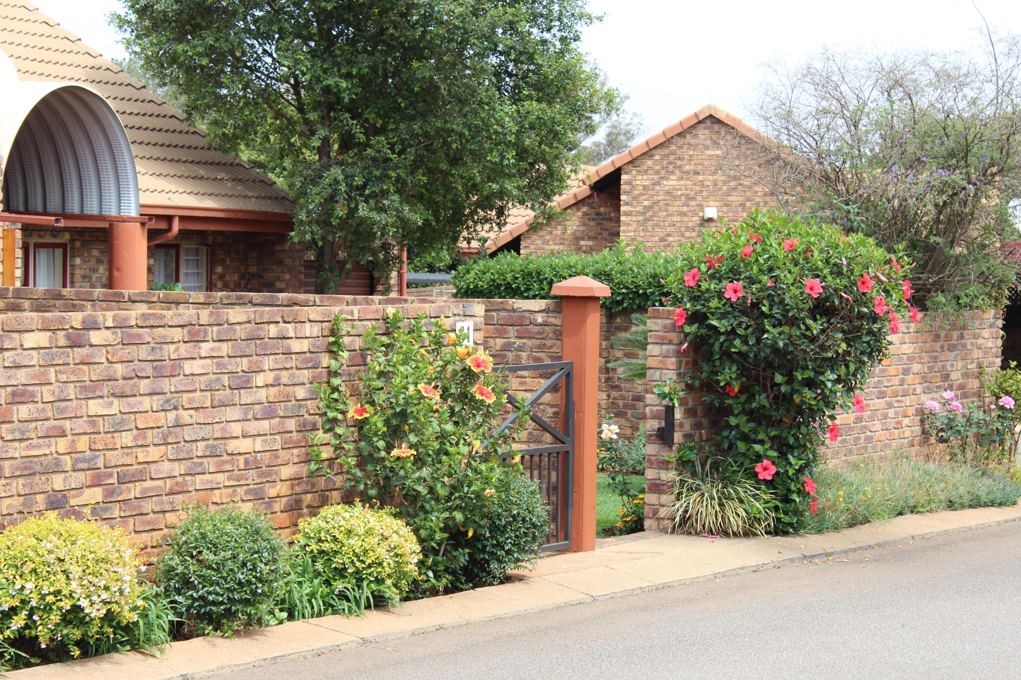 https://listing.pamgolding.co.za/images/properties/201910/844956/H/844956_H_40.jpg