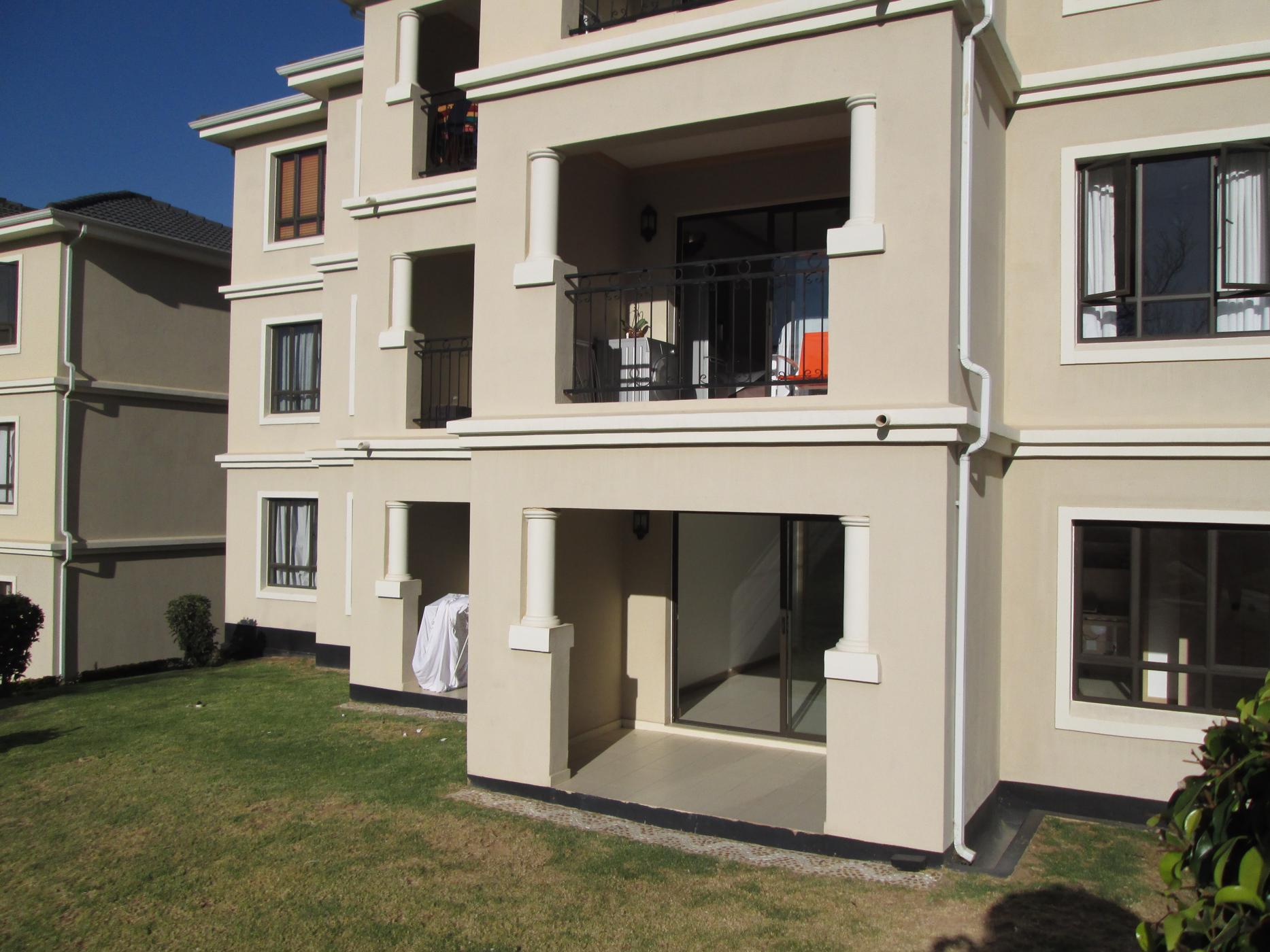 https://listing.pamgolding.co.za/images/properties/201911/1551739/H/1551739_H_18.jpg