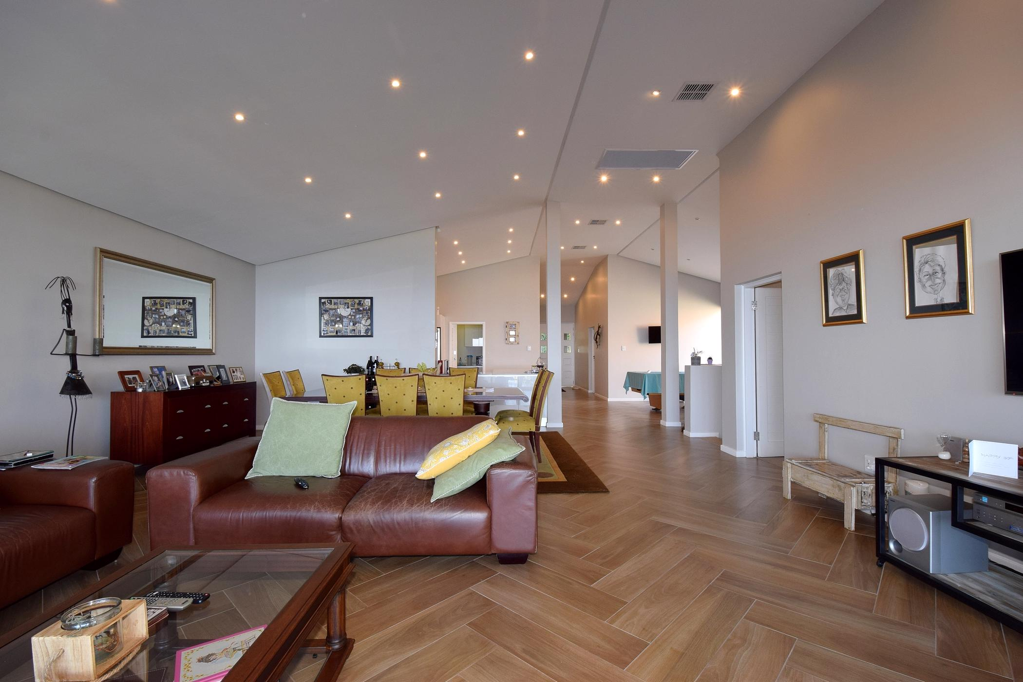 4 bedroom double-storey apartment for sale in Zimbali Coastal Resort