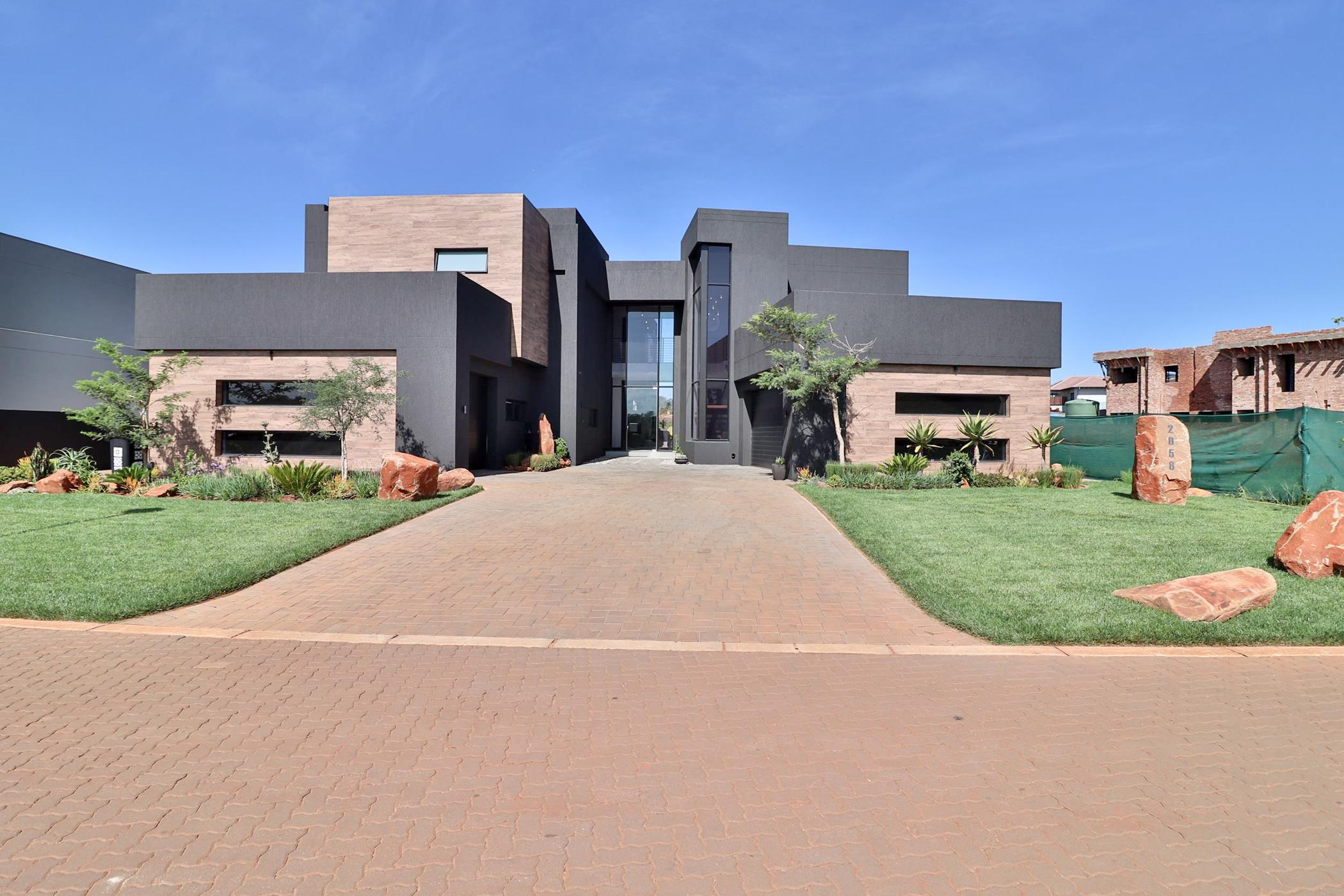 5 bedroom house for sale in Eye of Africa