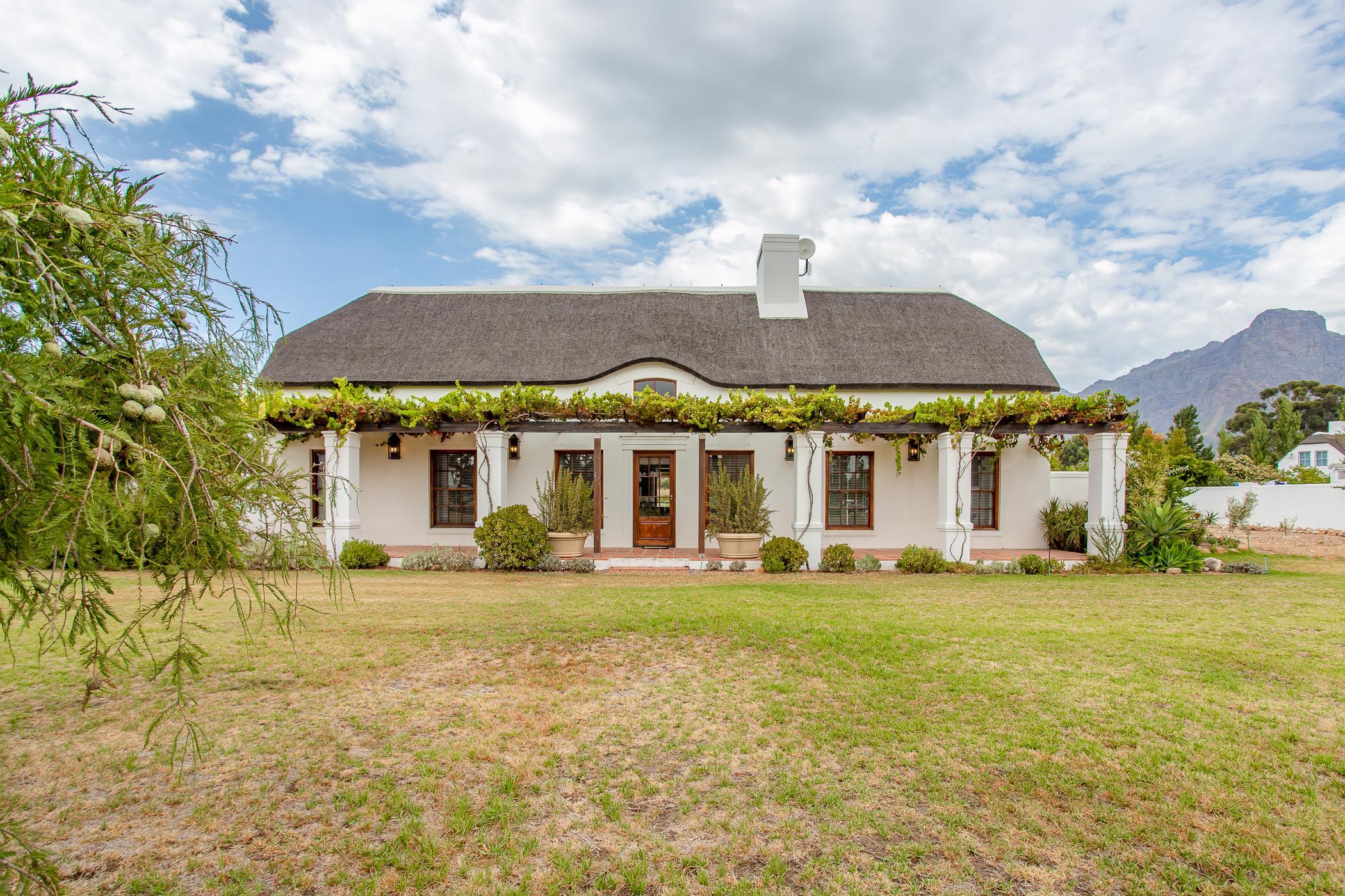4 bedroom house for sale in Deltacrest