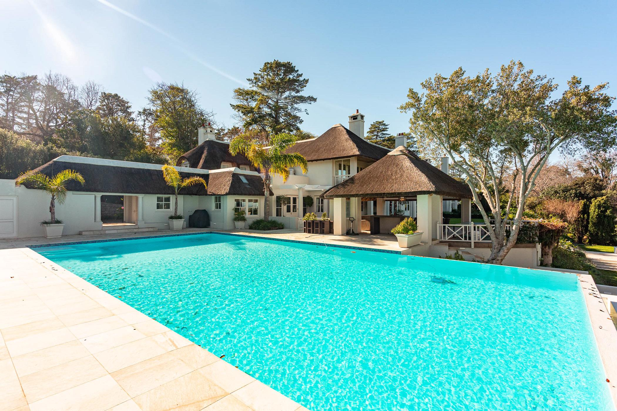 10 bedroom house to rent in Constantia (Cape Town)