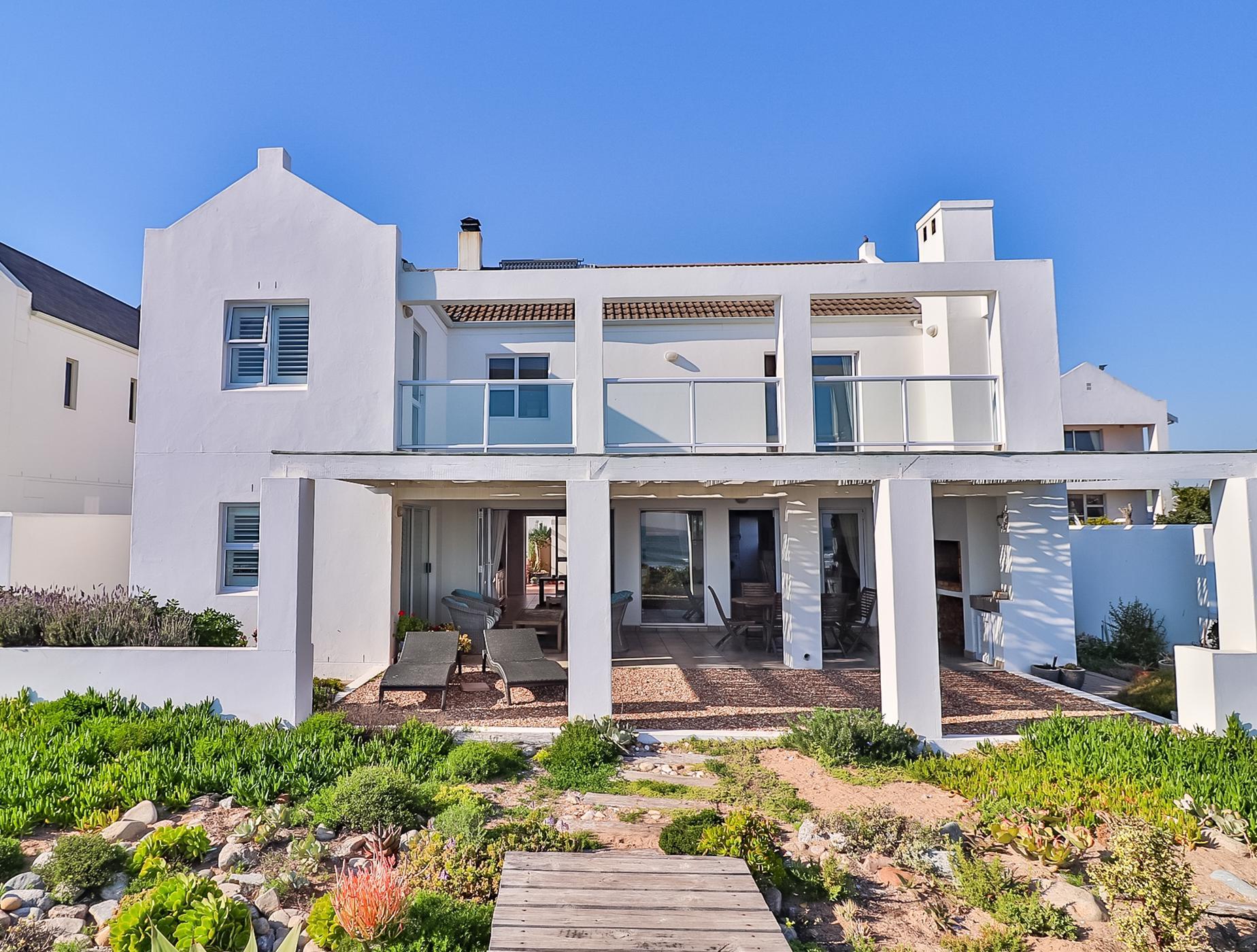 4 bedroom house for sale in Britannia Bay