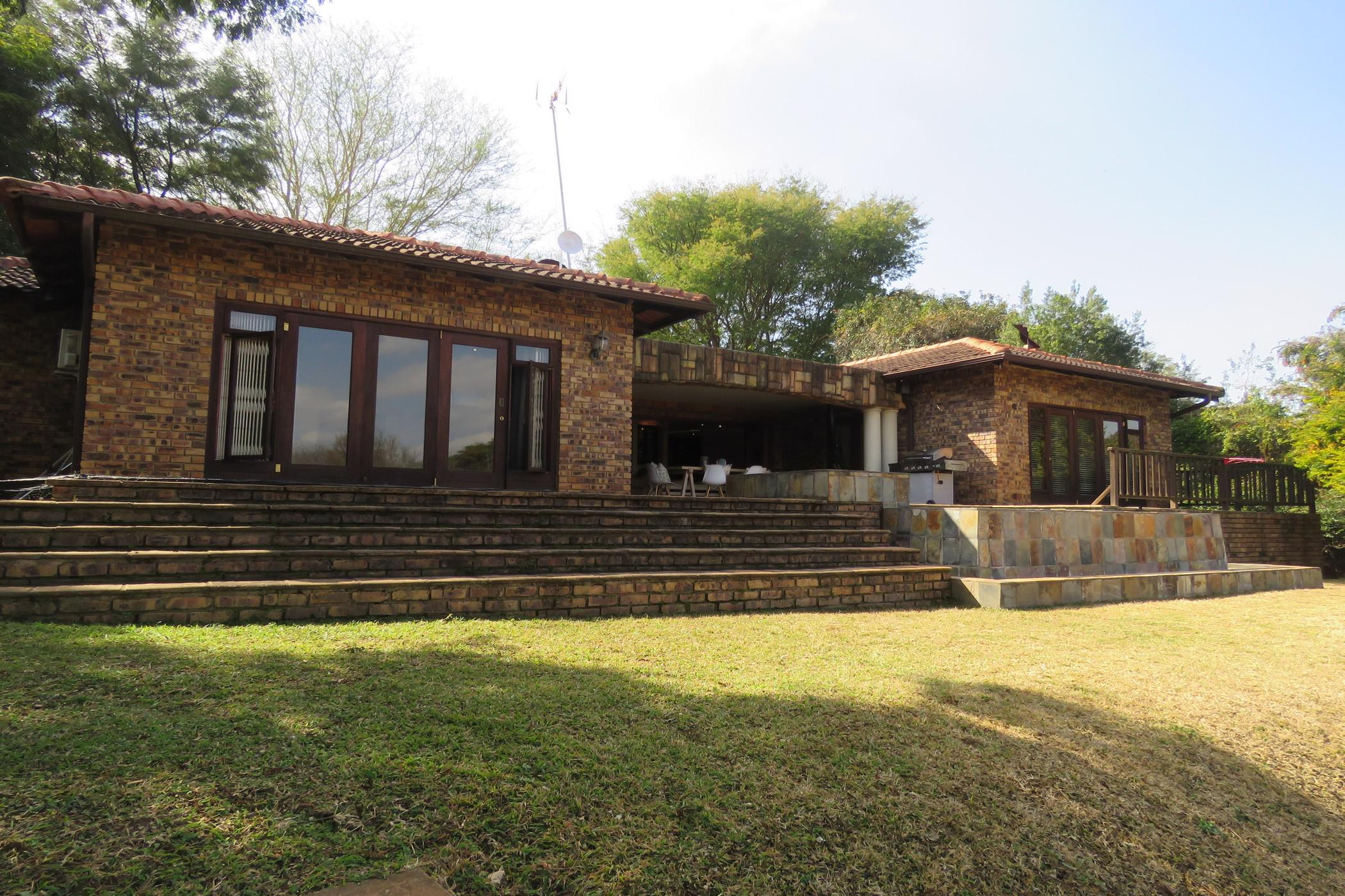 3 bedroom house for sale in White River Country Estate
