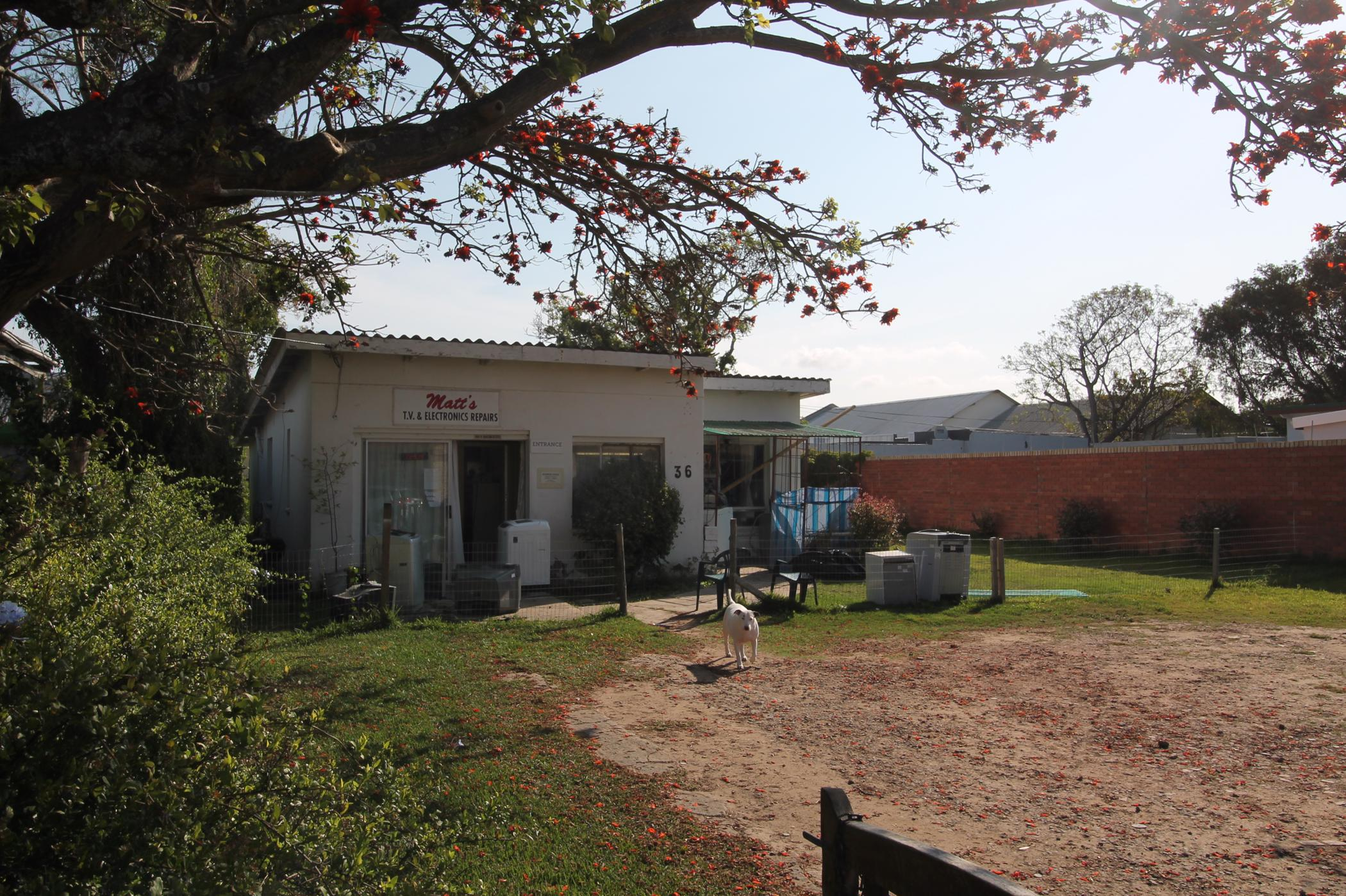 120 m² commercial office for sale in West Bank (Port Alfred)