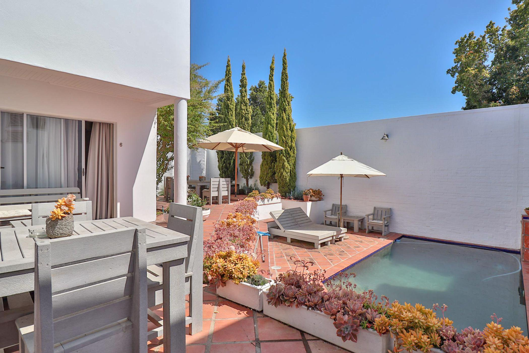 6 bedroom house for sale in Paradyskloof