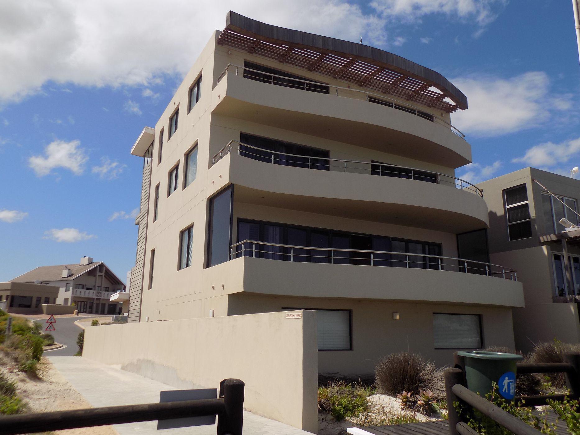 5 bedroom house for sale in Calypso Beach