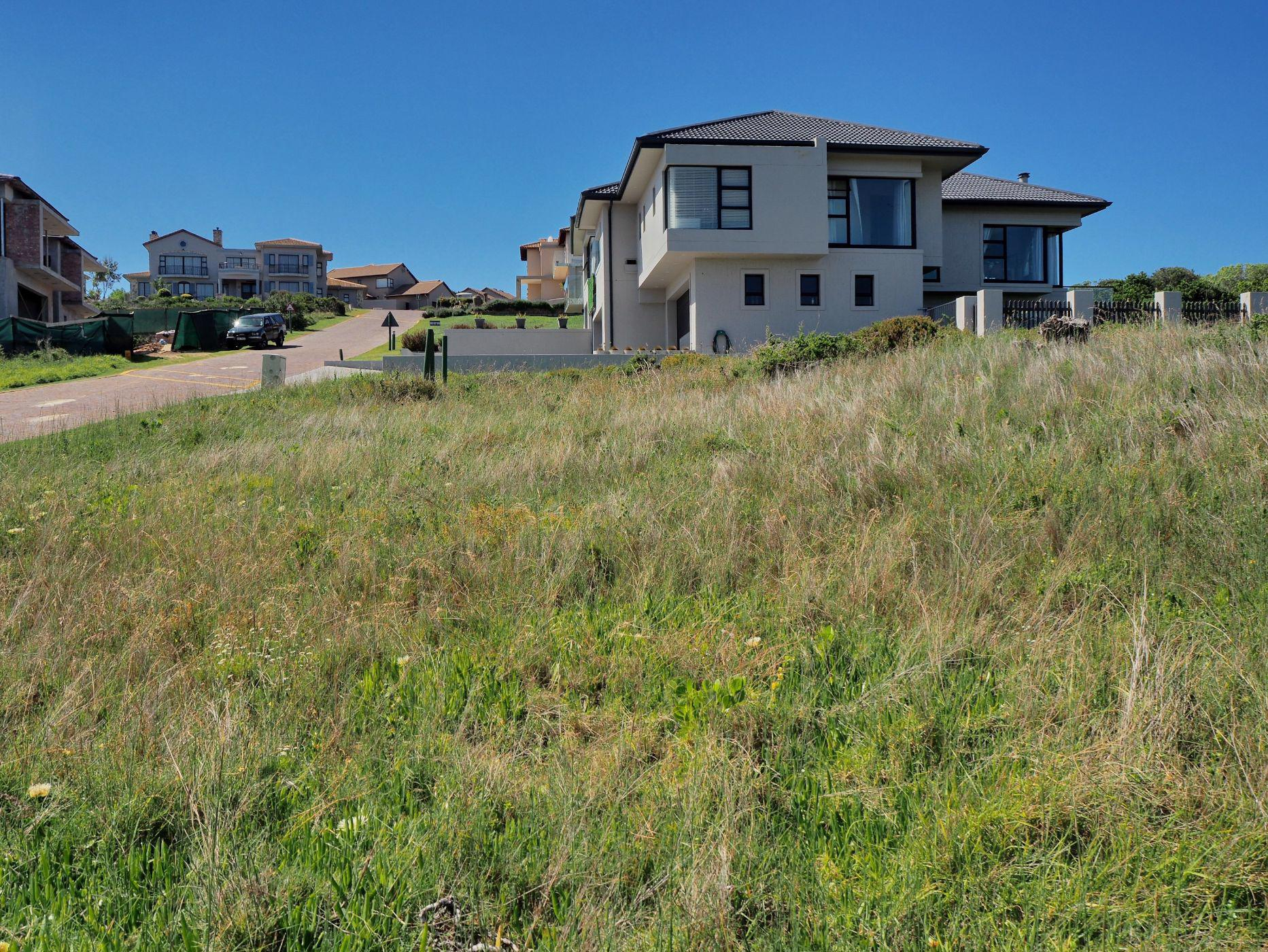 895 m² vacant land for sale in Mossel Bay Golf Estate