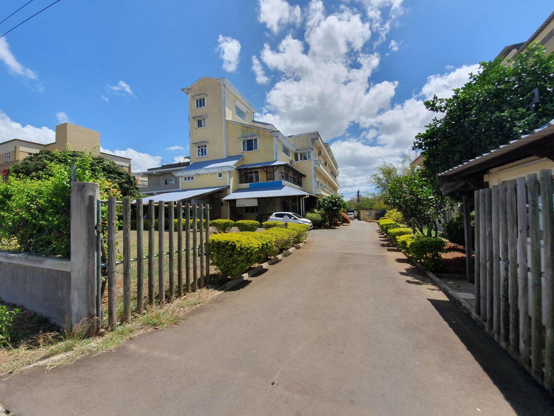 3070 m² commercial industrial property for sale in Coromandel (Mauritius)