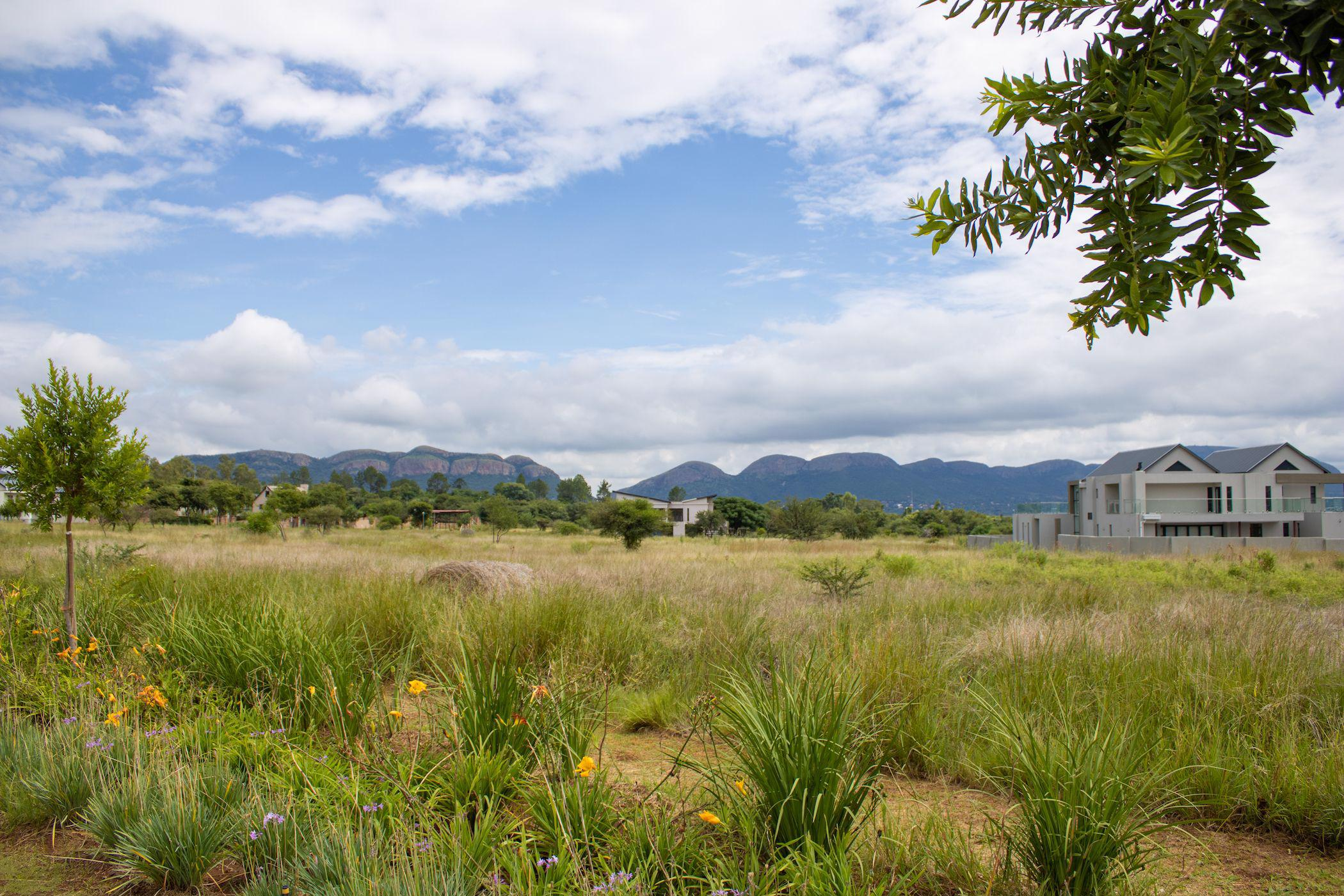 1045 m² residential vacant land for sale in Red Stone Estate