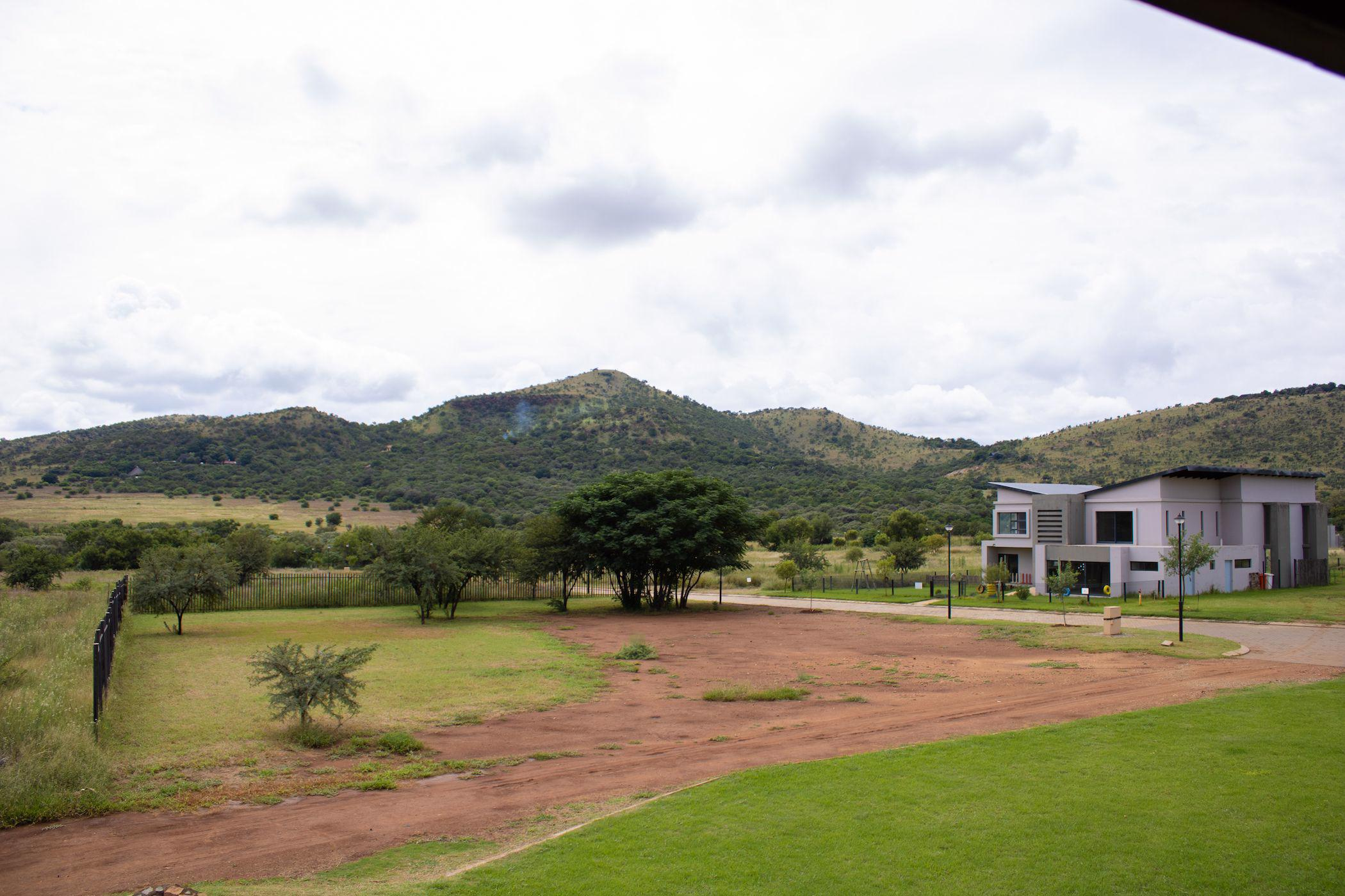 828 m² residential vacant land for sale in Red Stone Estate