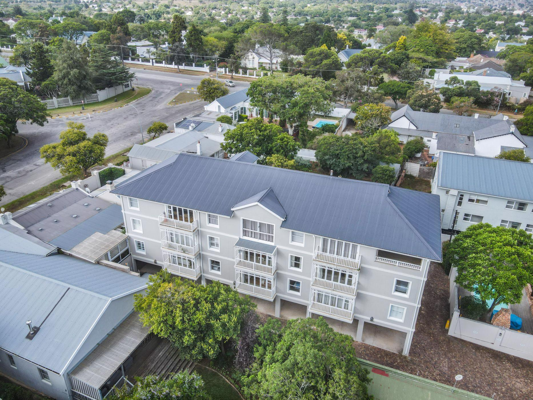 2 bedroom apartment for sale in West Hill (Makhanda (Grahamstown))
