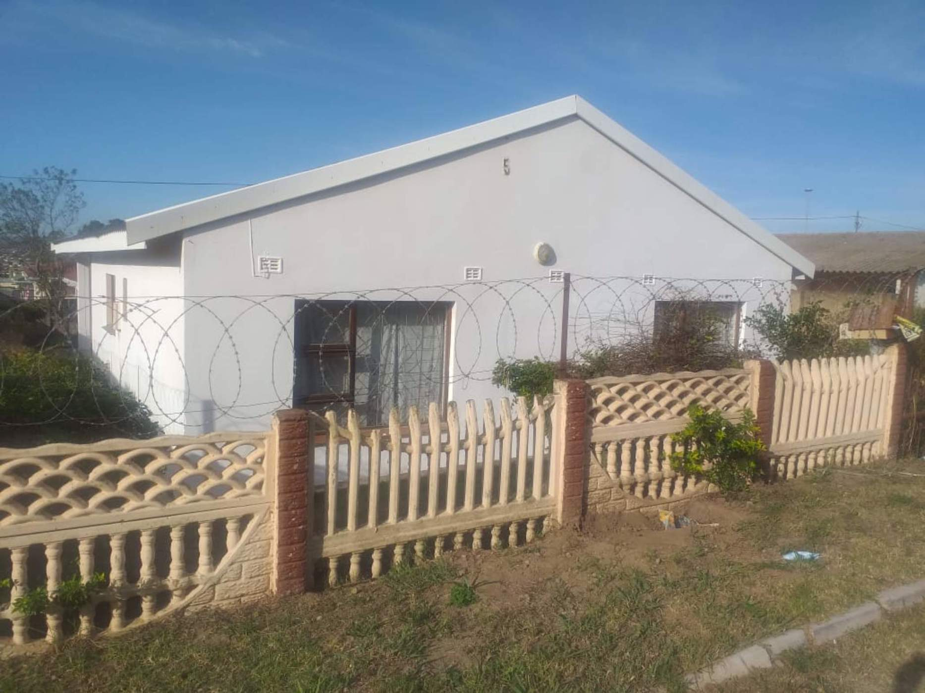 5 bedroom house for sale in Ikwezi