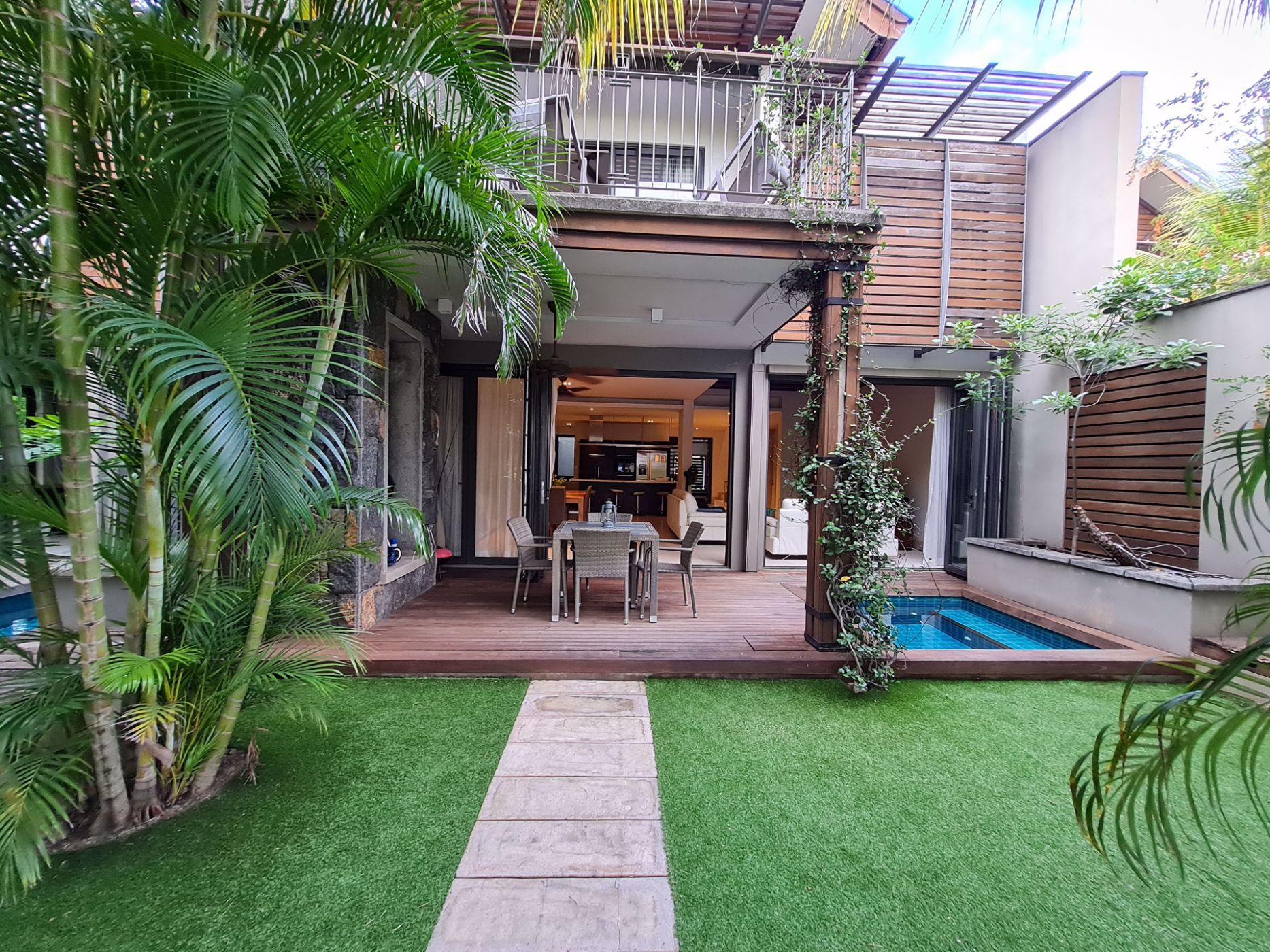3 bedroom double-storey apartment for sale in La Balise Marina (Mauritius)