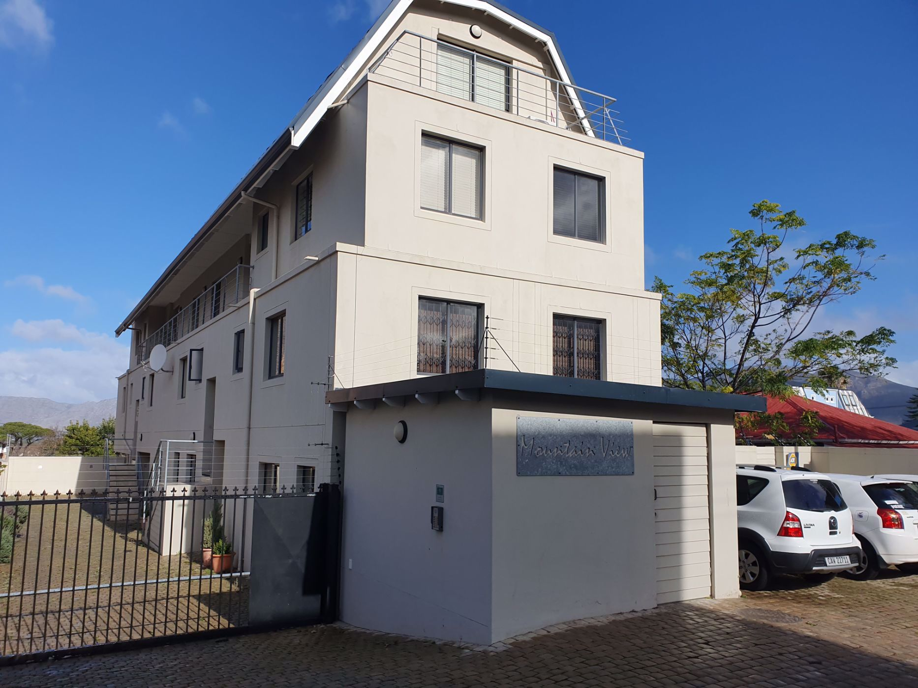 2 bedroom apartment to rent in Wynberg Upper
