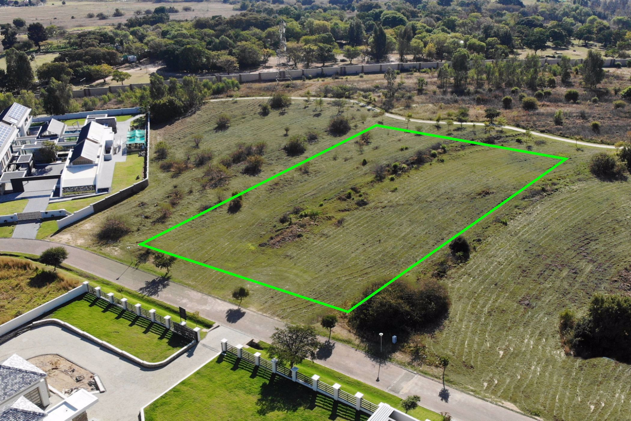 5004 m² residential vacant land for sale in Blue Hills Equestrian Estate