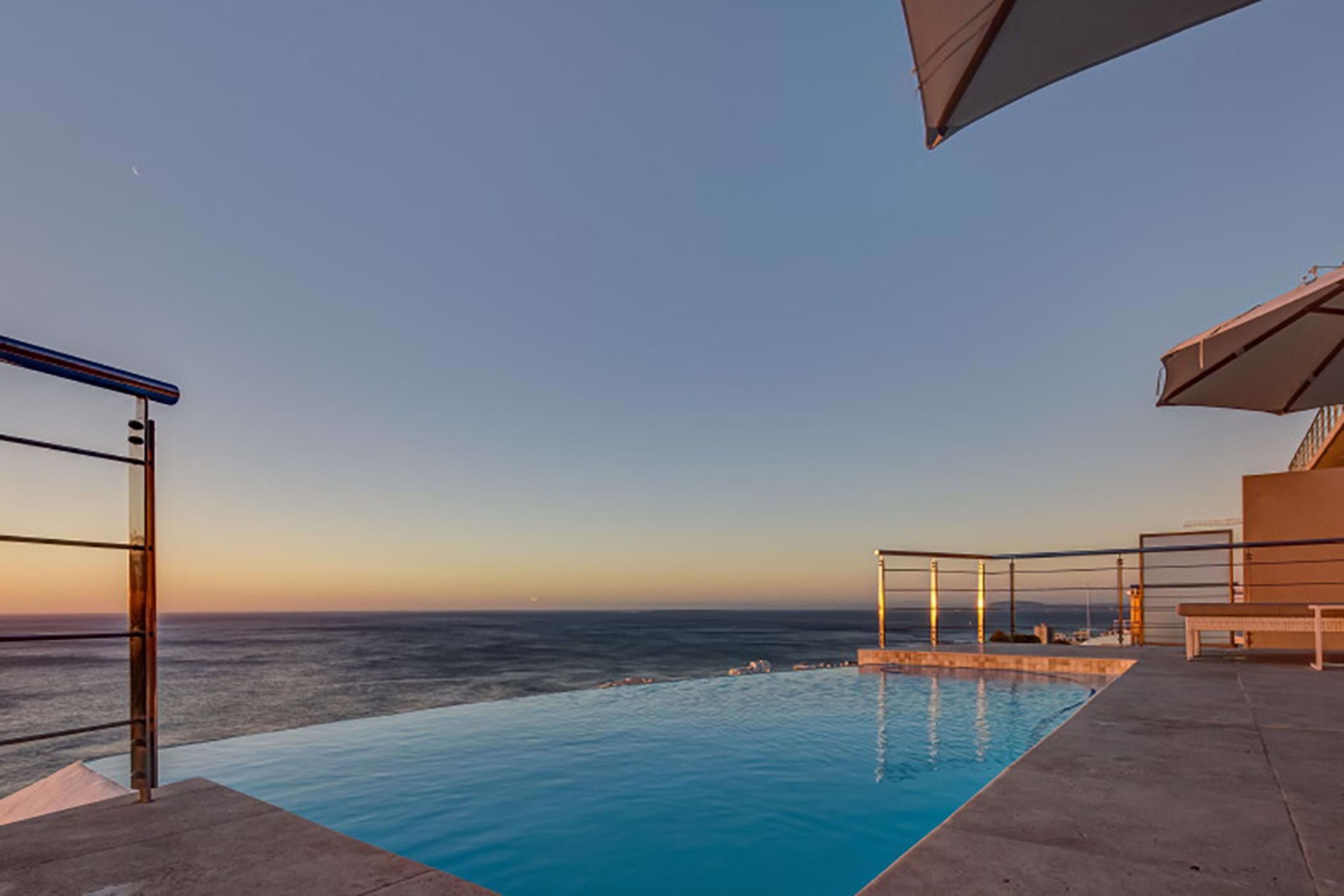 9 bedroom house for sale in Bantry Bay