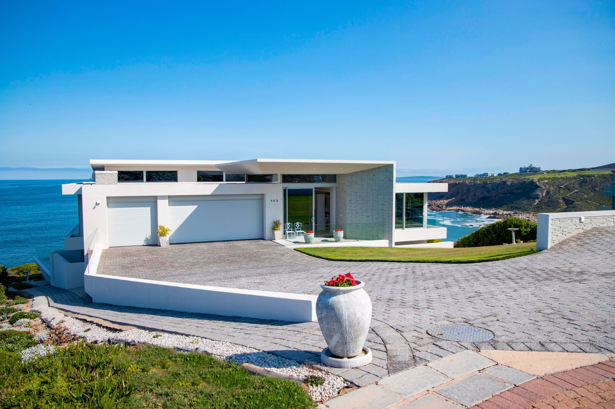 4 bedroom house for sale in Pinnacle Point Golf Estate