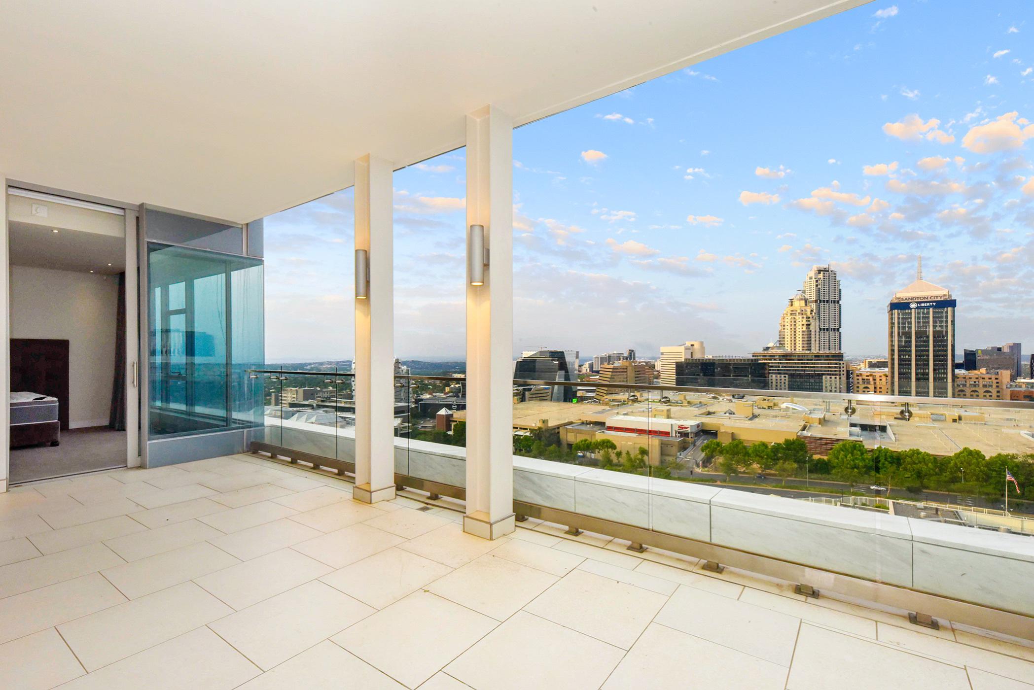 3 bedroom apartment to rent in Sandhurst