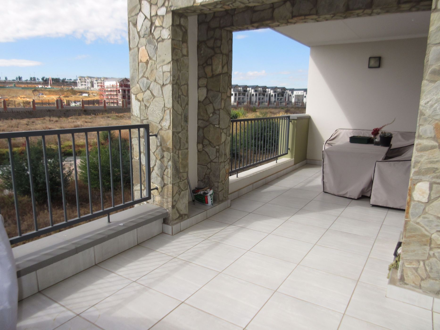 2 bedroom apartment for sale in Waterfall (Midrand)