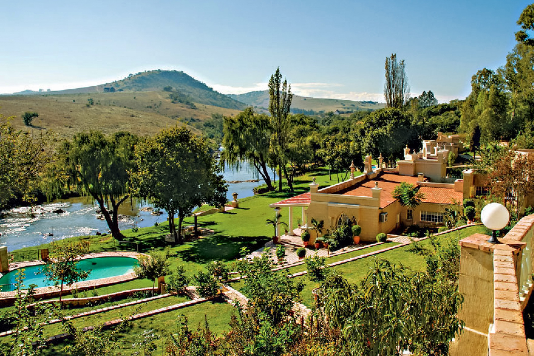 10 guest room country hotel for sale in Lanseria