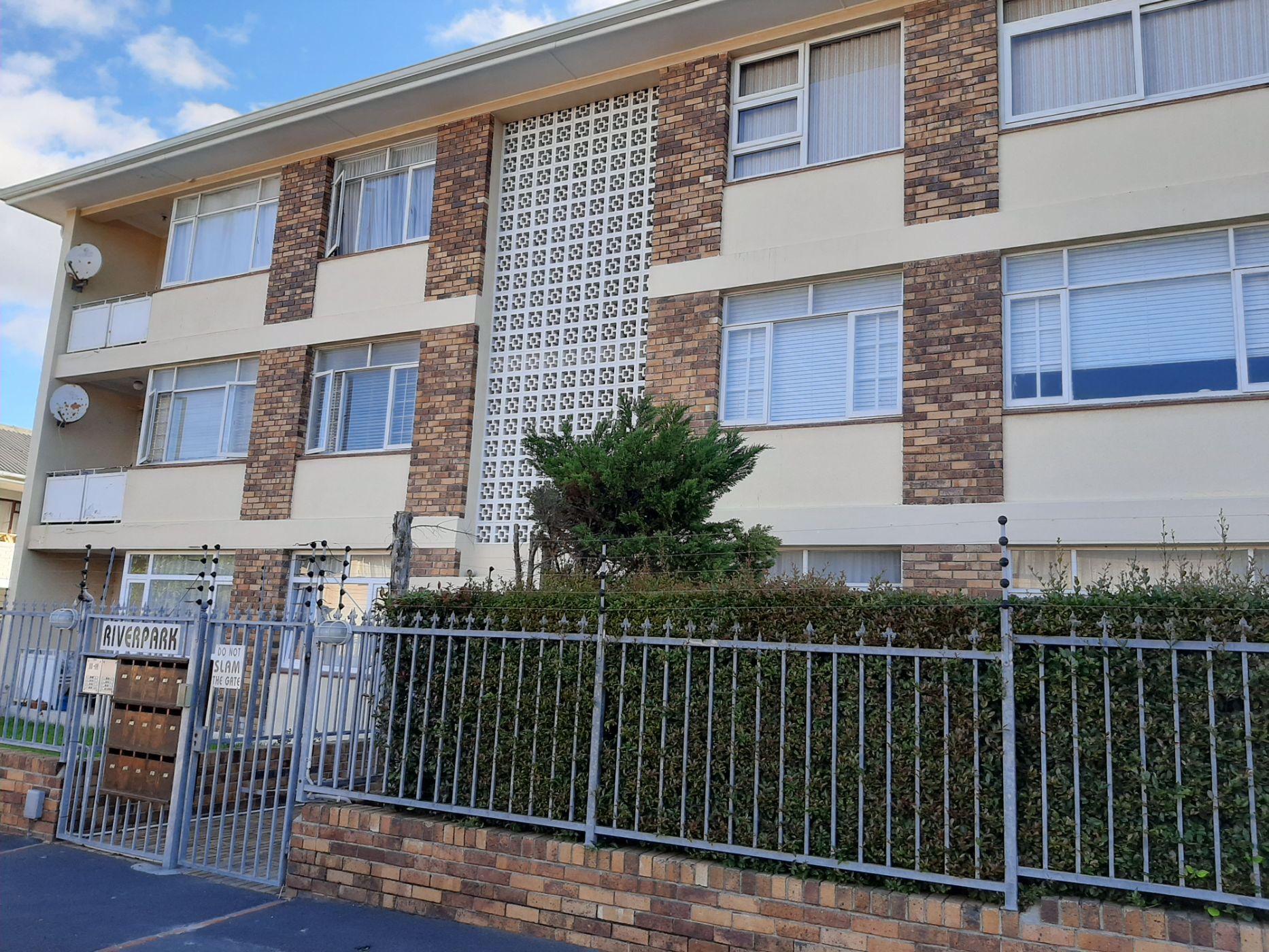 2 bedroom apartment to rent in Diep River