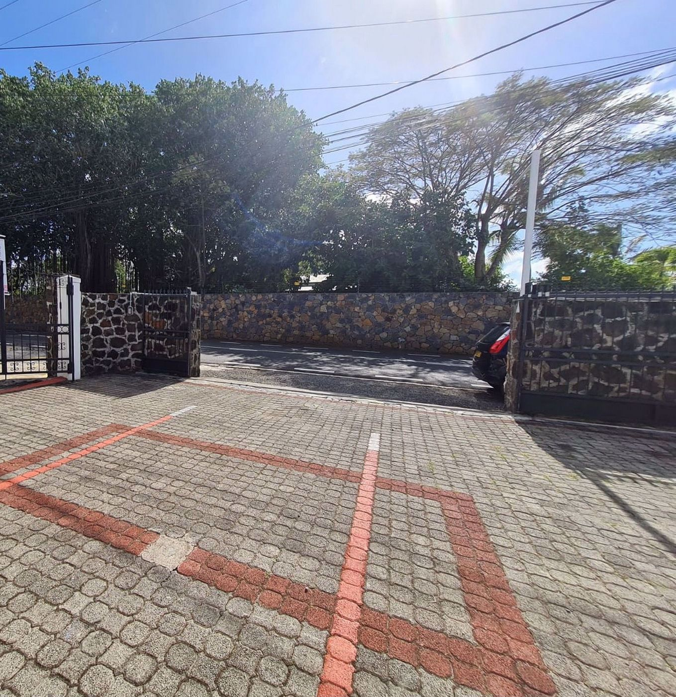130 m² commercial office to rent in Pointe aux Canonniers (Mauritius)