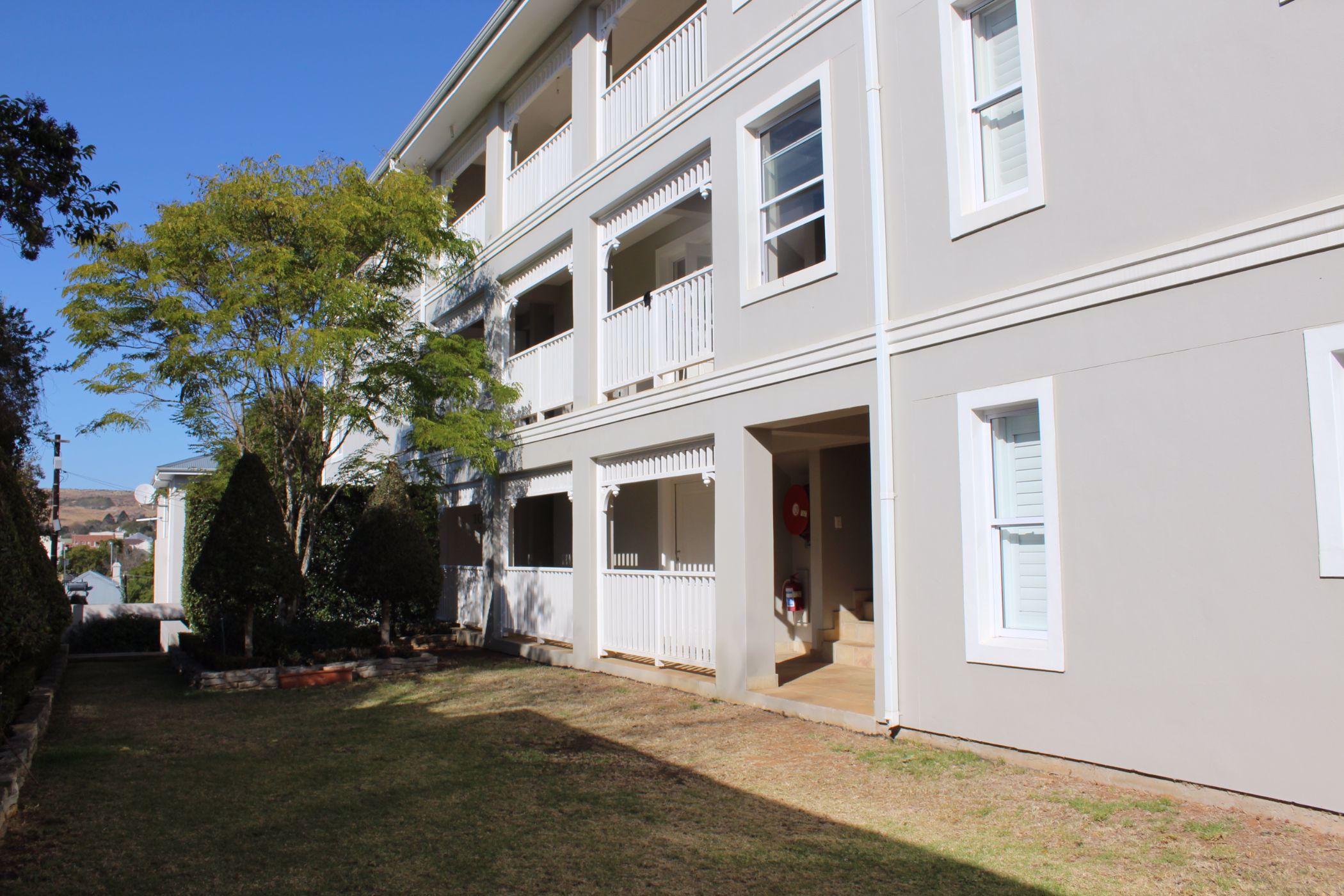 2 bedroom apartment for sale in West Hill (Grahamstown)