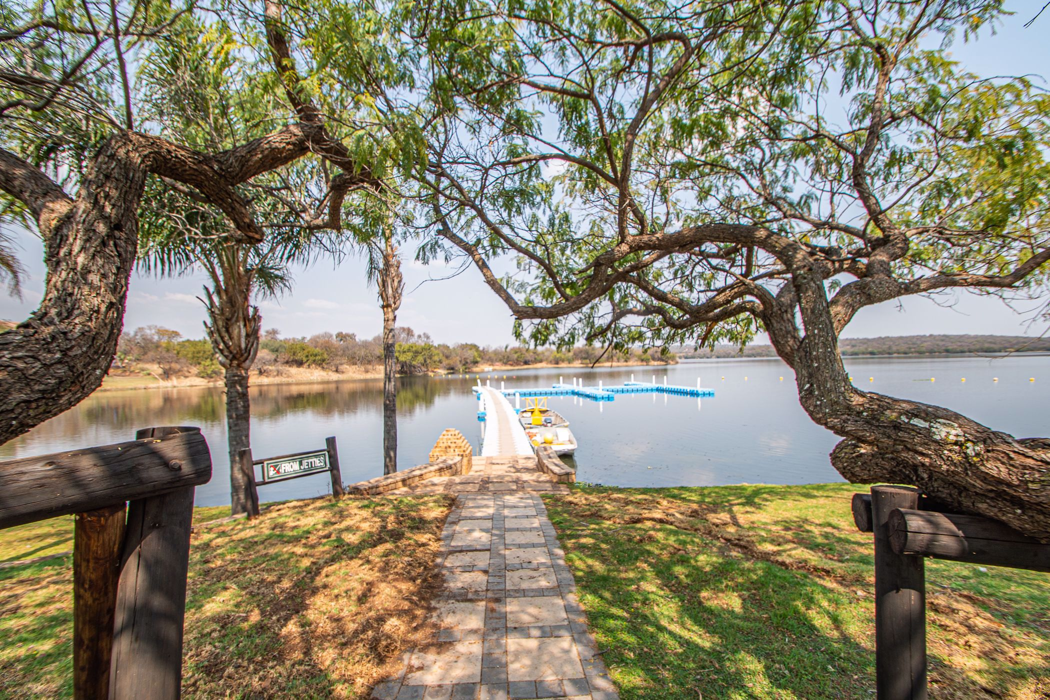 1336 m² vacant land for sale in Sable Hills Waterfront Estate