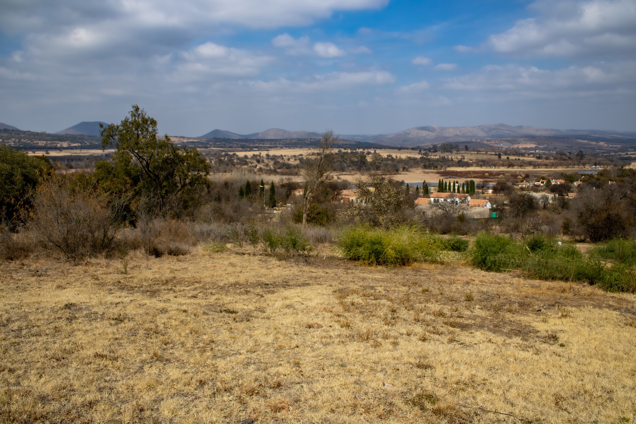 987 m² residential vacant land for sale in Estate D Afrique