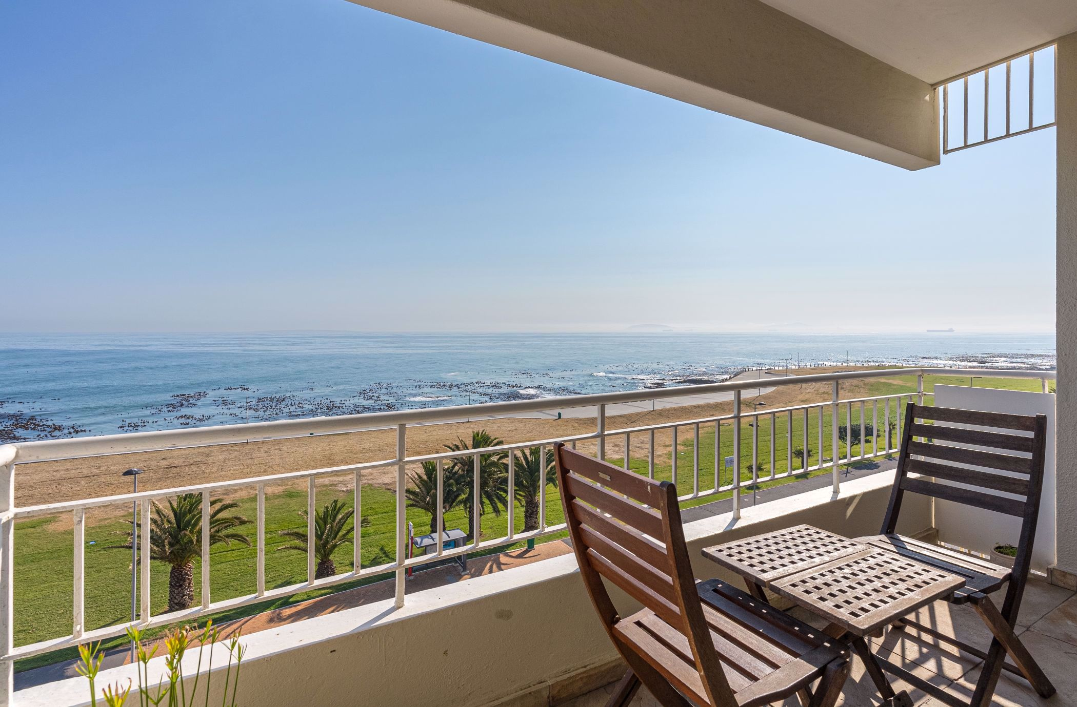 2 bedroom apartment for sale in Mouille Point