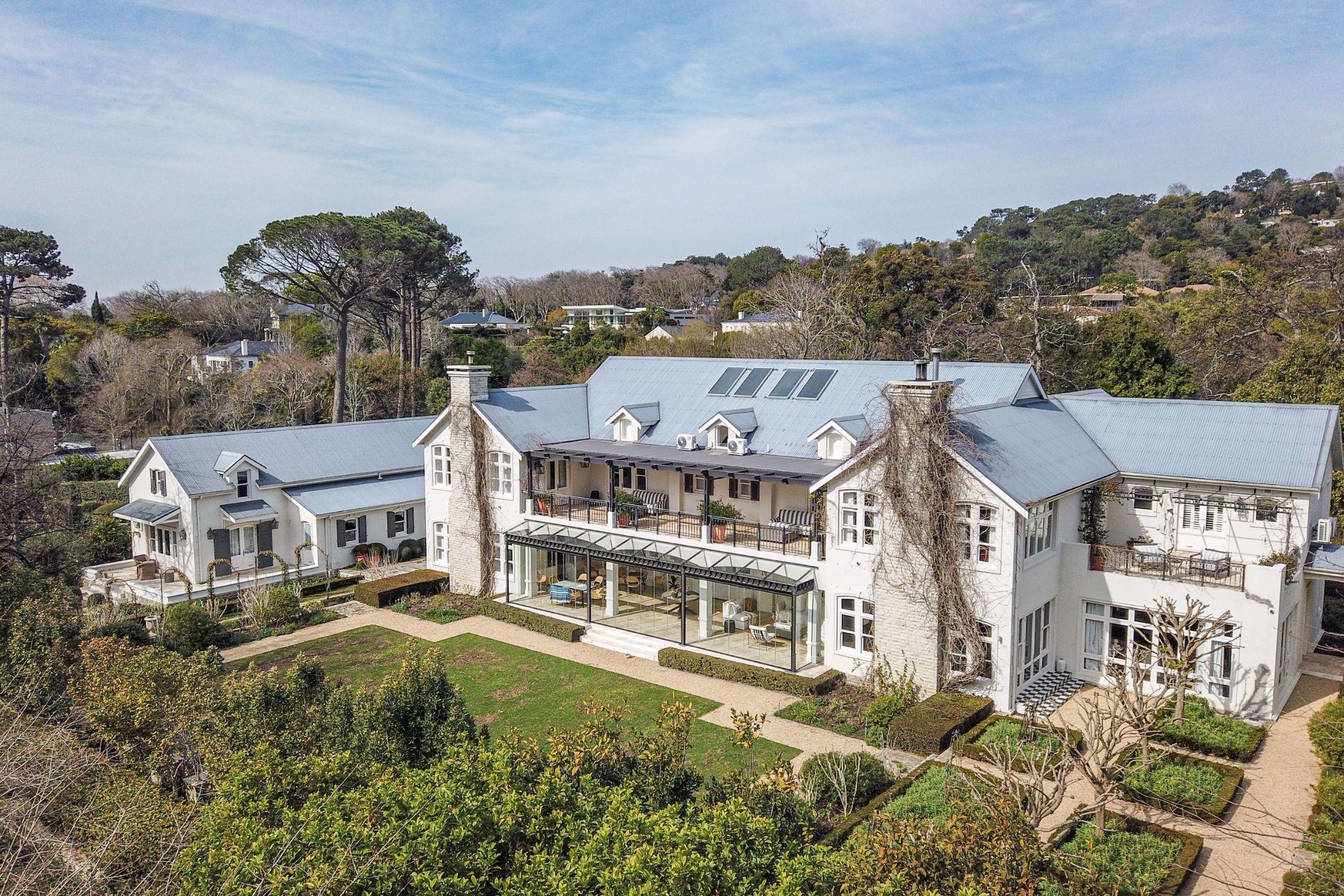 8 bedroom house for sale in Bishopscourt