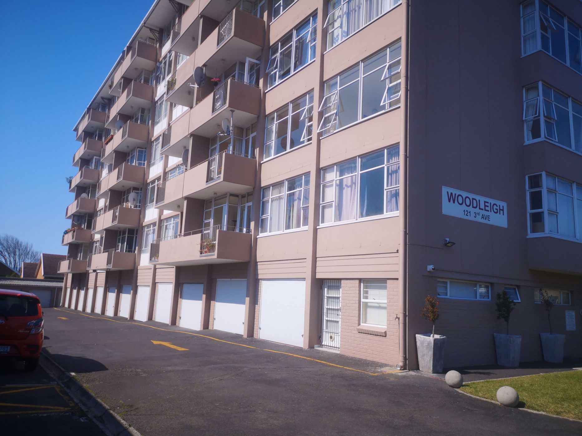 2 bedroom apartment to rent in Kenilworth (Cape Town)