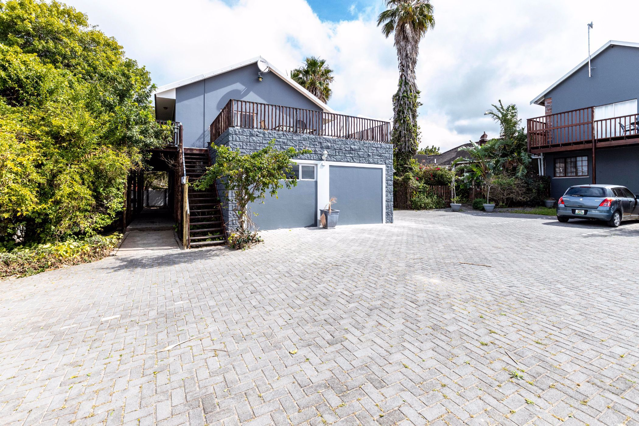 9 bedroom house for sale in Beacon Bay